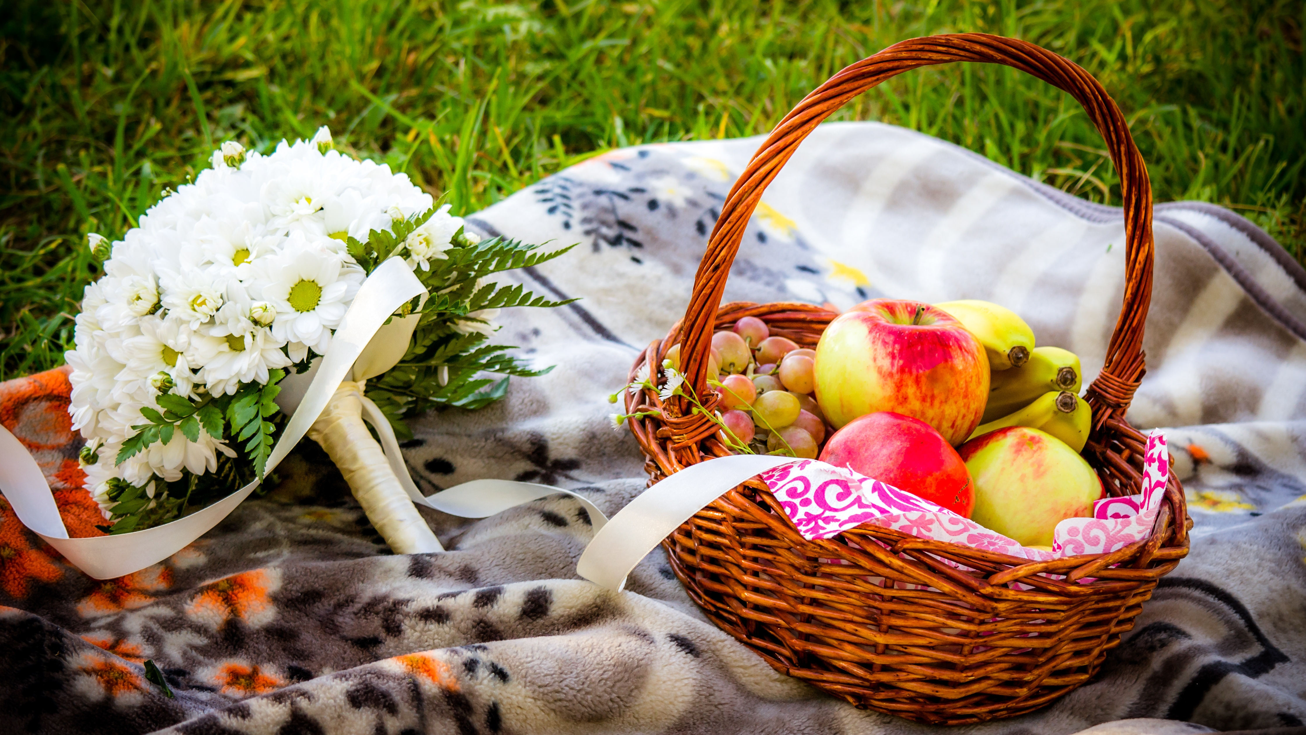 100345 download wallpaper Food, Flowers, Apples, Bouquet, Basket screensavers and pictures for free
