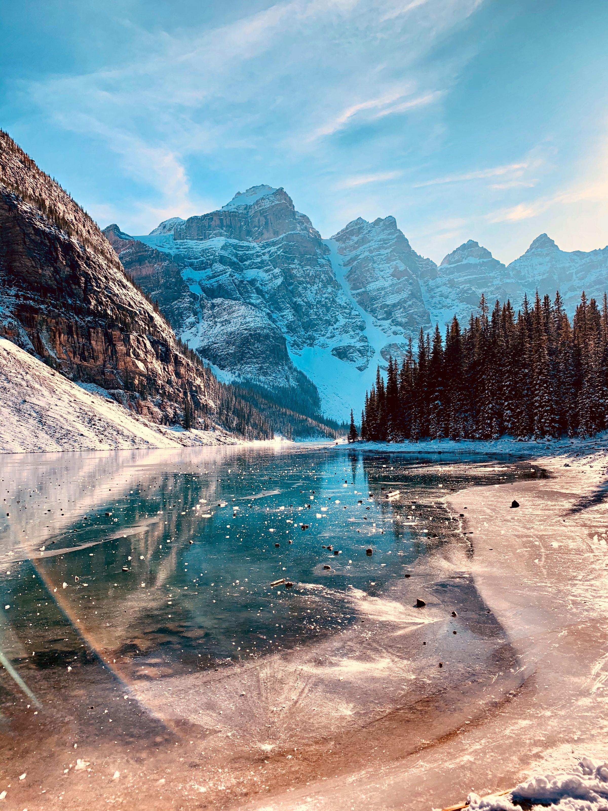 141464 Заставки и Обои Лед на телефон. Скачать Лед, Природа, Деревья, Горы, Скалы, Озеро, Склон картинки бесплатно