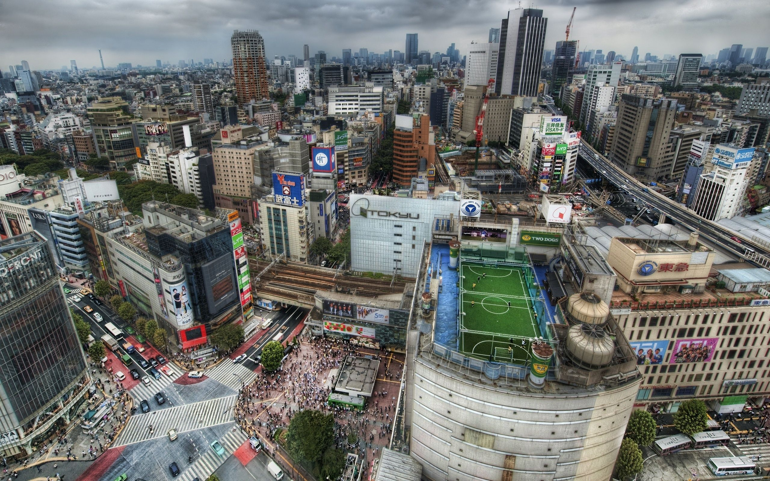 77304 download wallpaper Tokyo, Houses, Football, Megapolis, Megalopolis, Field, People, Roofs, Roof, Crowds, Crowd, Japan, Road, Hdr, Cities screensavers and pictures for free