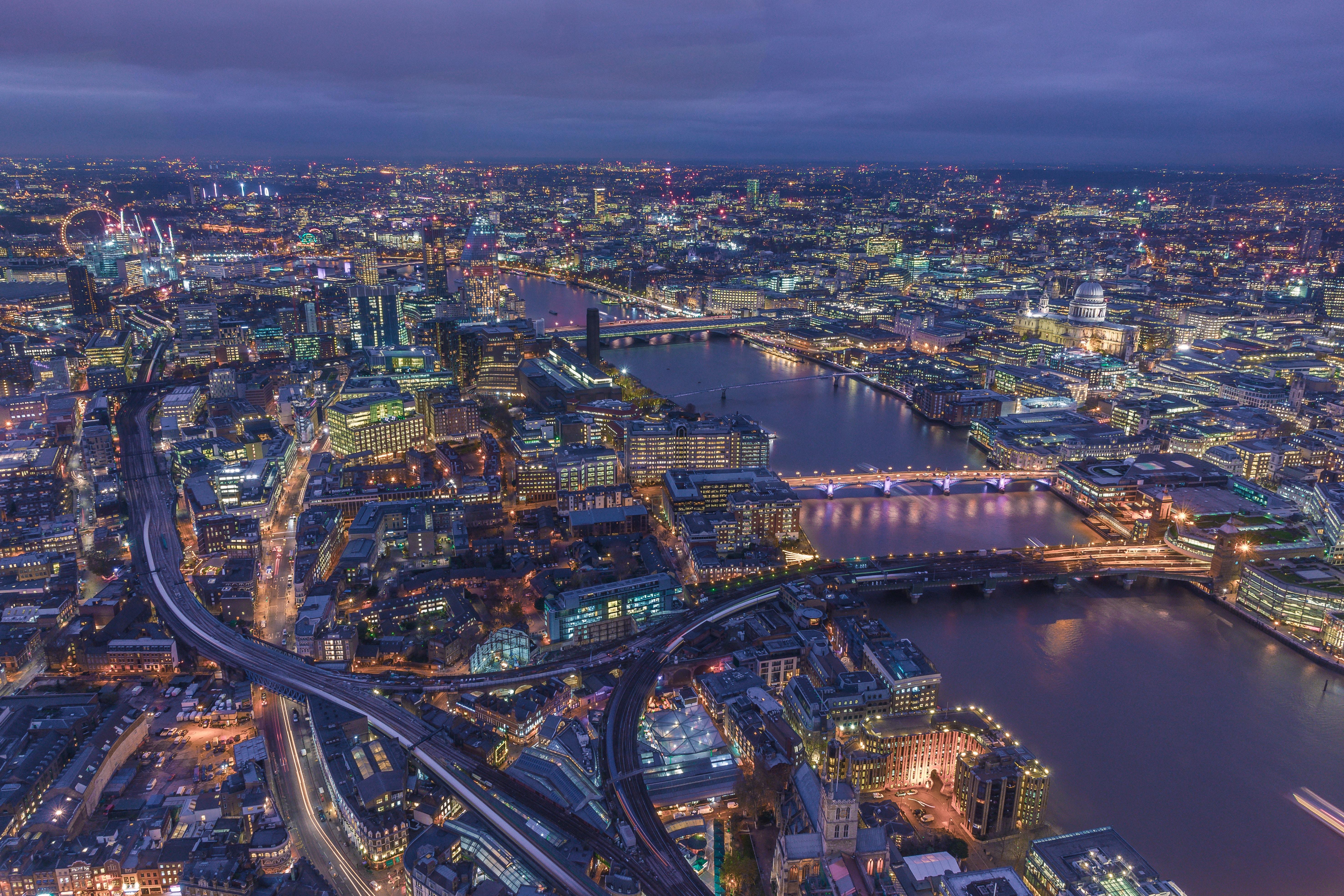 67024 Hintergrundbild herunterladen Städte, Großbritannien, London, Blick Von Oben, Nächtliche Stadt, Night City, Vereinigtes Königreich - Bildschirmschoner und Bilder kostenlos