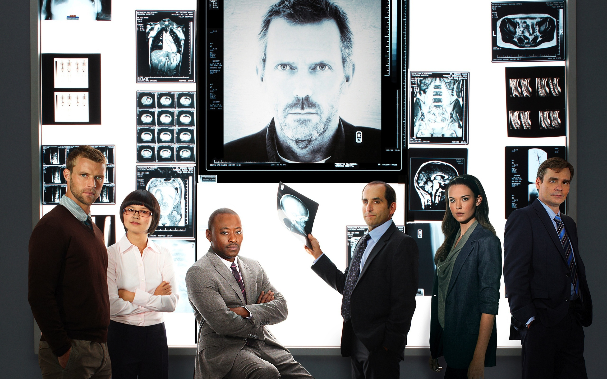 32662 download wallpaper Cinema, Actors, House M.d. screensavers and pictures for free