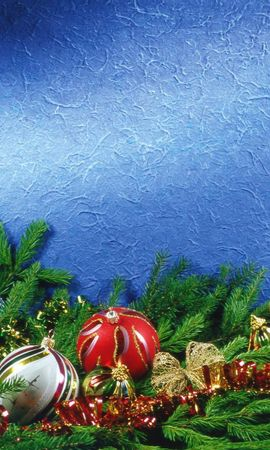 105685 скачать обои Праздники, Елочные Игрушки, Хвоя, Мишура, Атрибуты, Праздник - заставки и картинки бесплатно