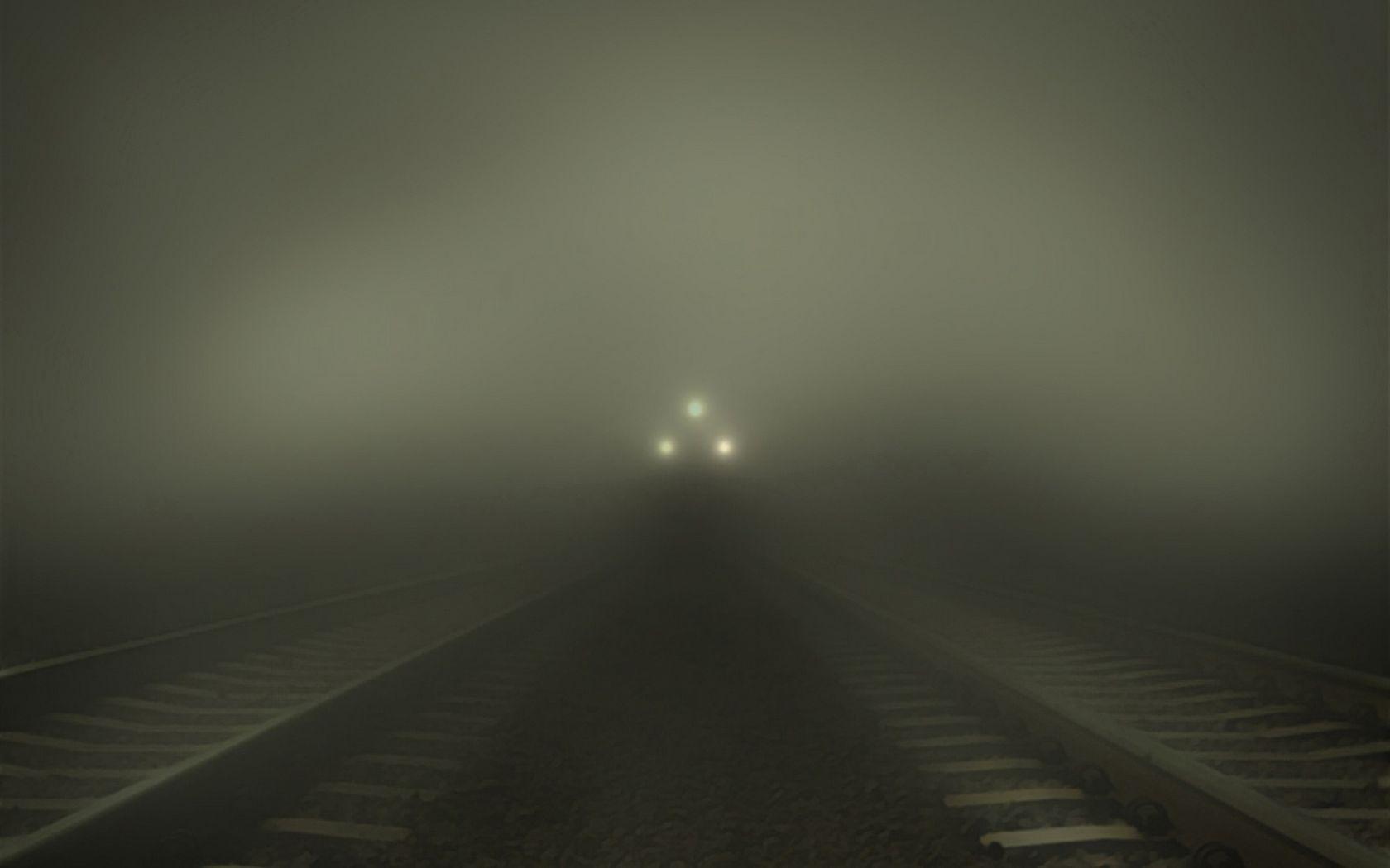 手機的57316屏保和壁紙黑暗。 免費下載 黑暗的, 黑暗, 一列火车, 火车, 多雾路段, 雾, 铁路 圖片