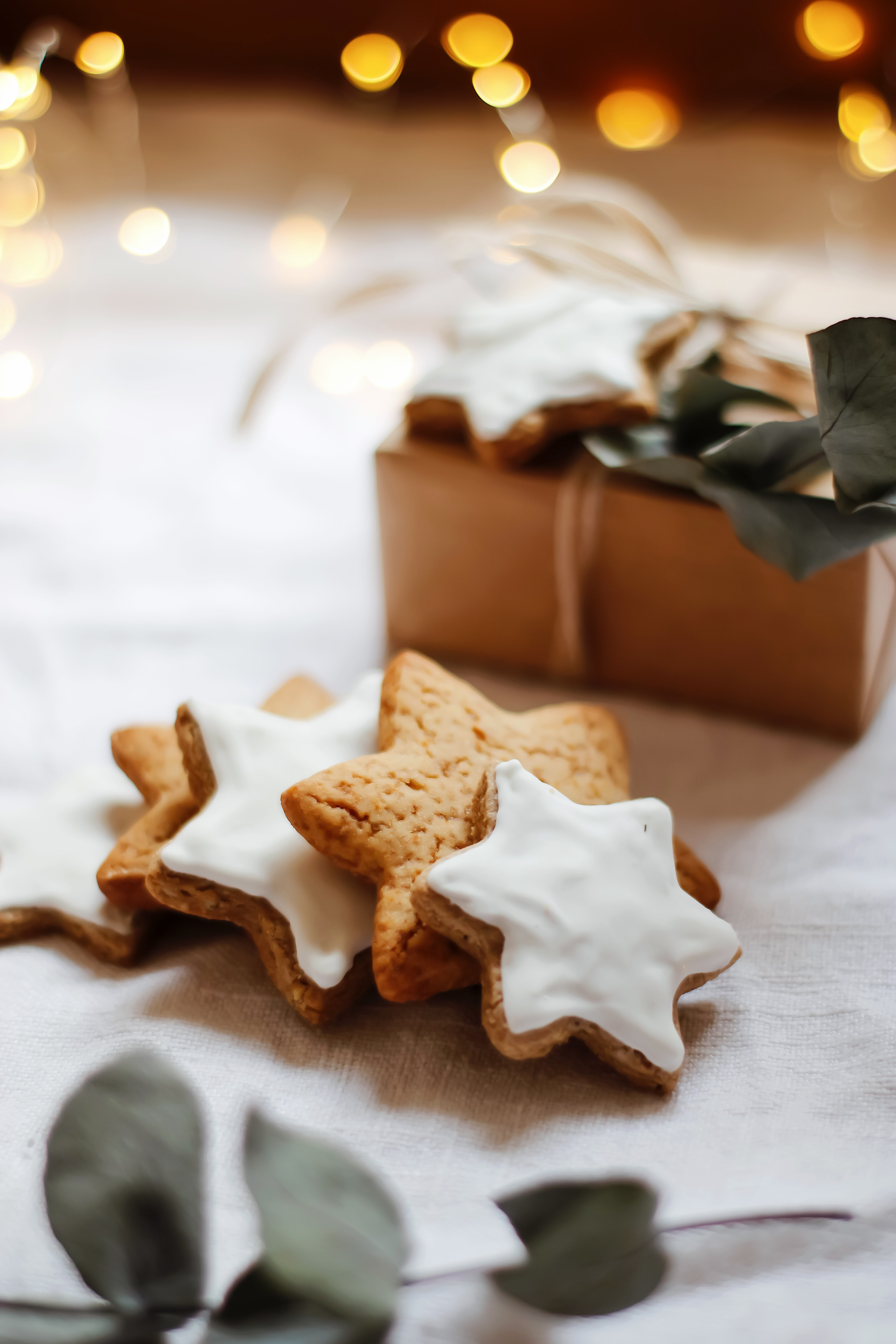 101712 download wallpaper Food, Cookies, Branch, Box, Glare, Stars screensavers and pictures for free