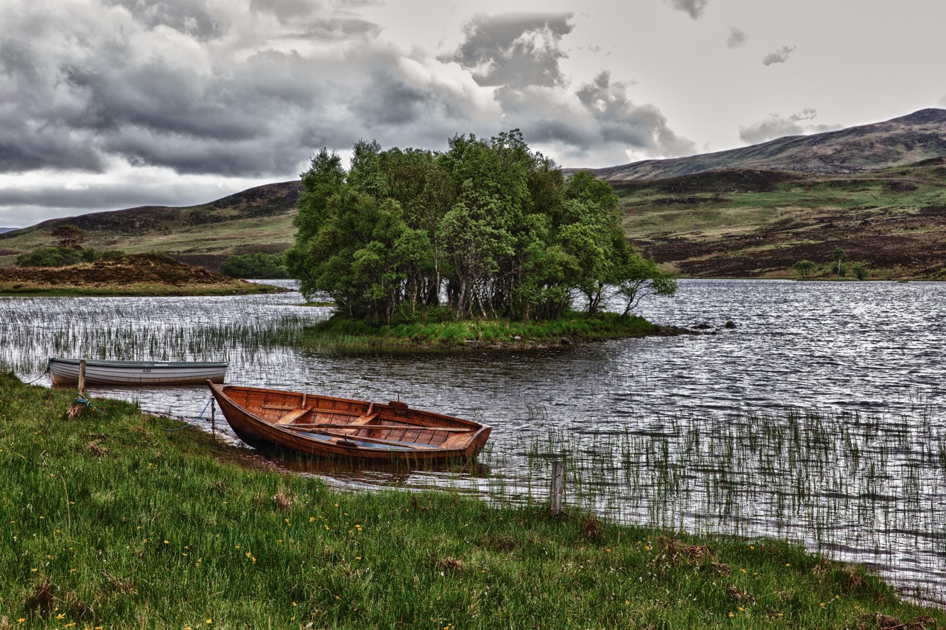 94944 Заставки и Обои Лодки на телефон. Скачать Природа, Лодки, Река, Деревья, Трава, Облака картинки бесплатно