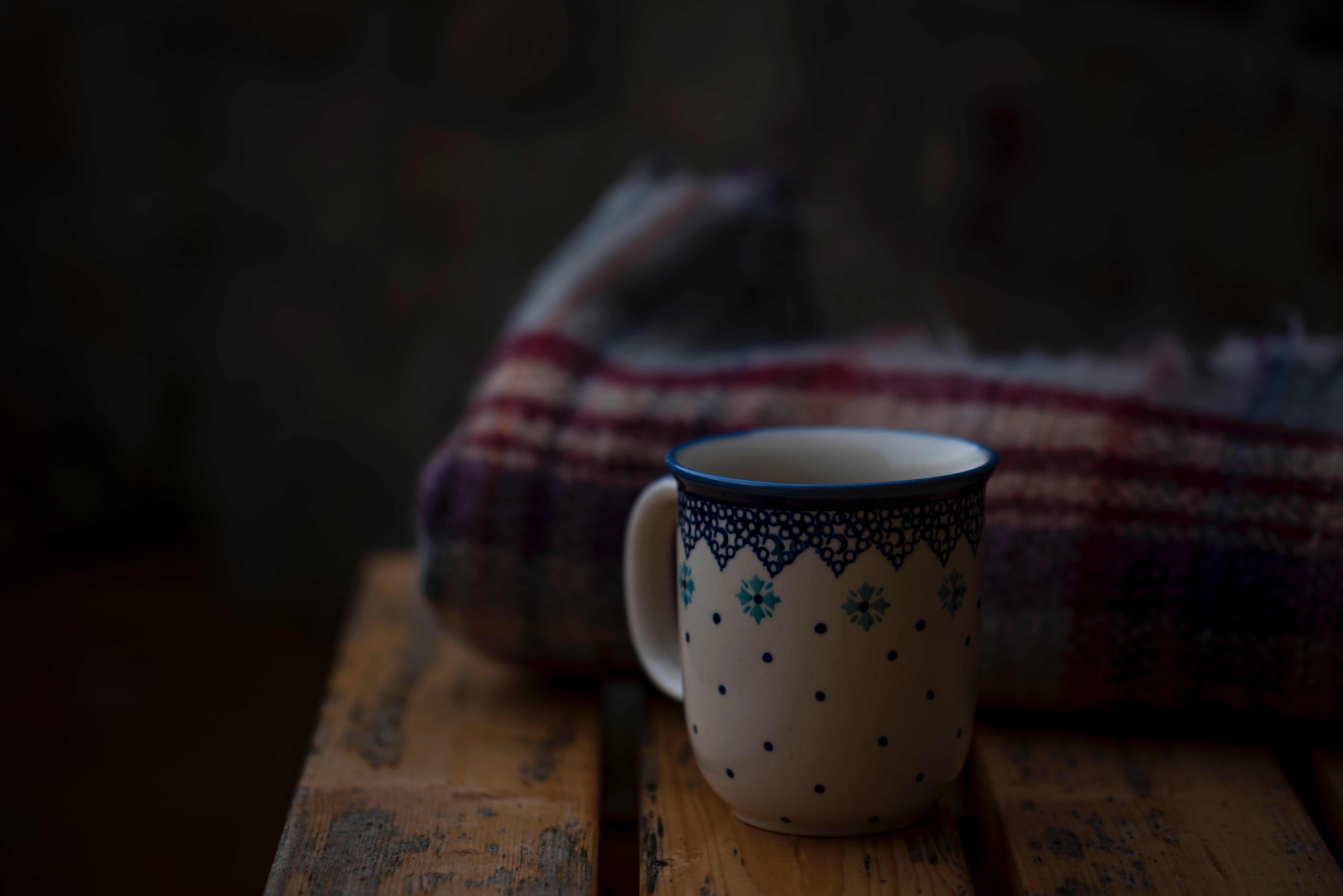 67129 Screensavers and Wallpapers Bench for phone. Download Food, Cup, Bench, Plaid pictures for free