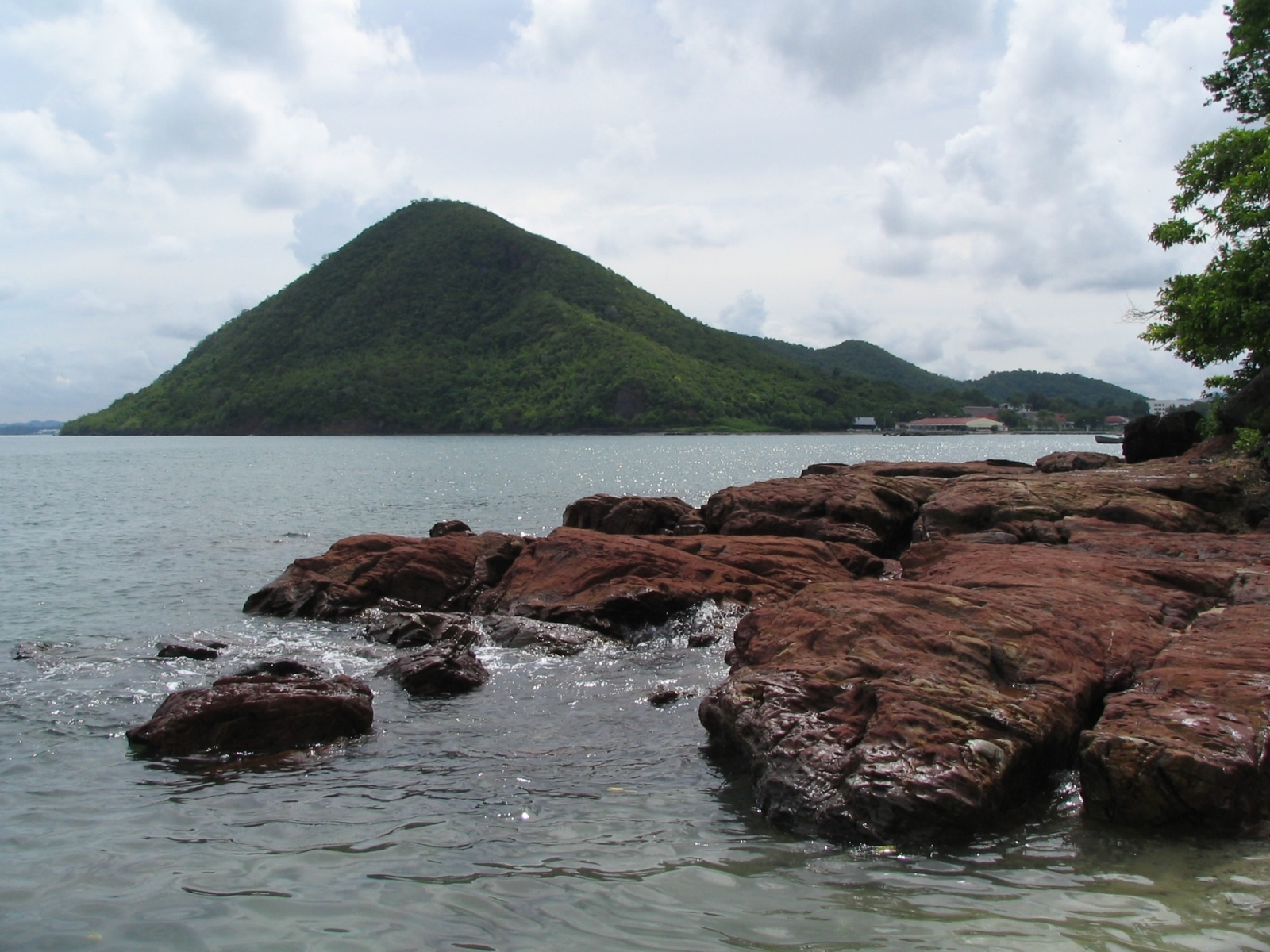 4242 скачать обои Пейзаж, Вода, Камни, Горы, Море - заставки и картинки бесплатно