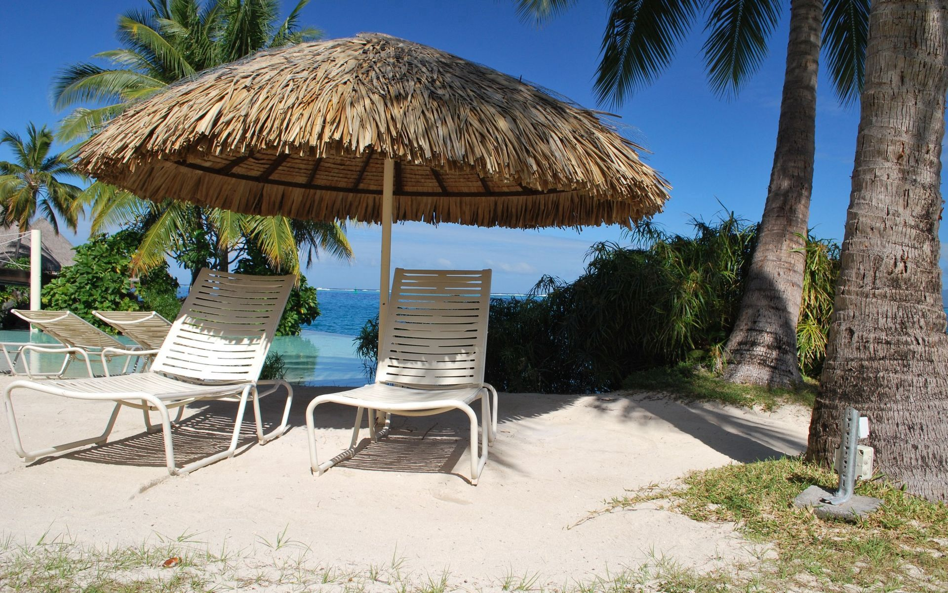 149835 download wallpaper Nature, Canopy, Shed, Sun Lounger, Deck Chair, Armchairs, Chairs, Tropics, Sand, Relaxation, Rest, Resort, Palms screensavers and pictures for free