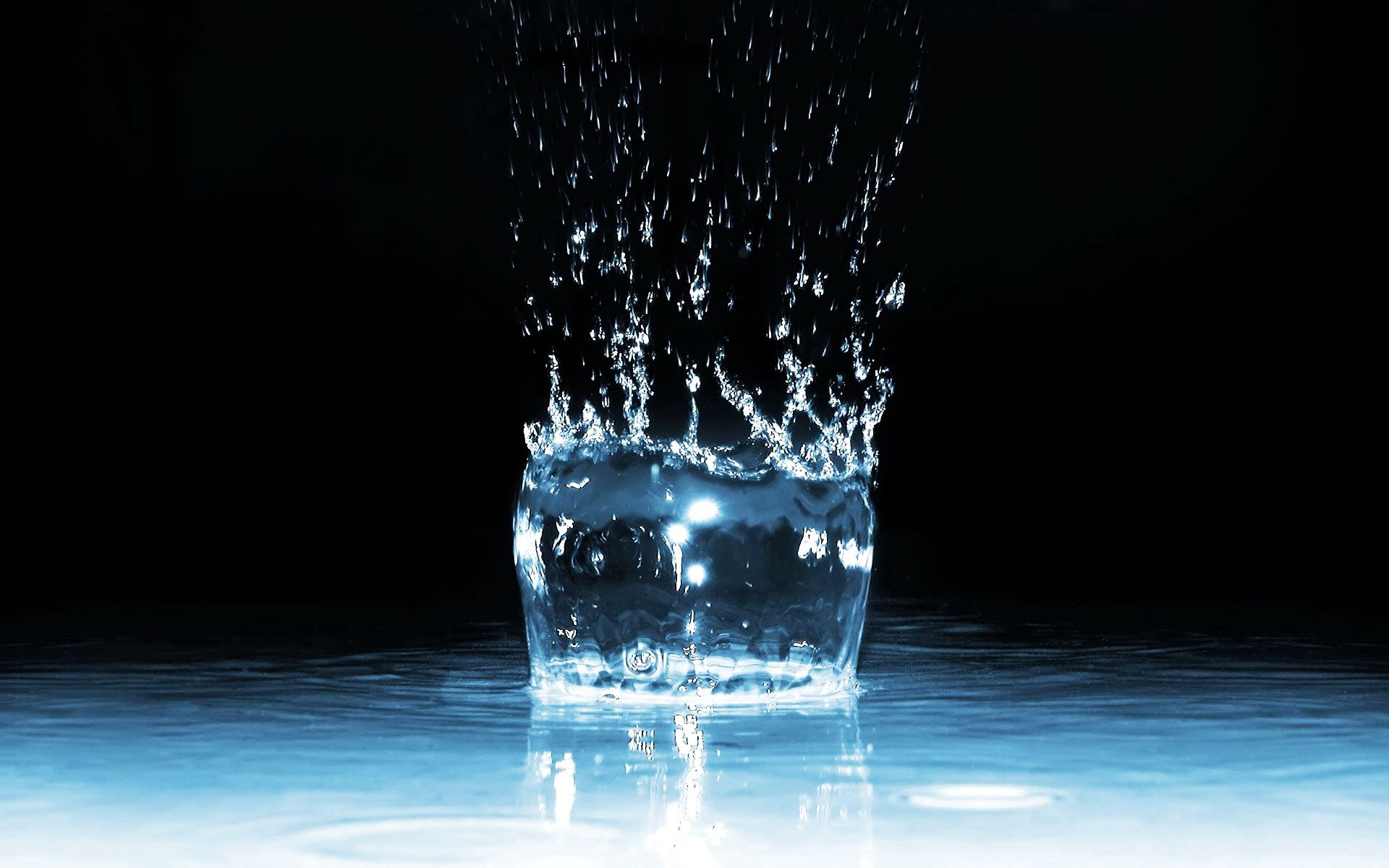 157020 download wallpaper Water, 3D, Spray, Liquid screensavers and pictures for free