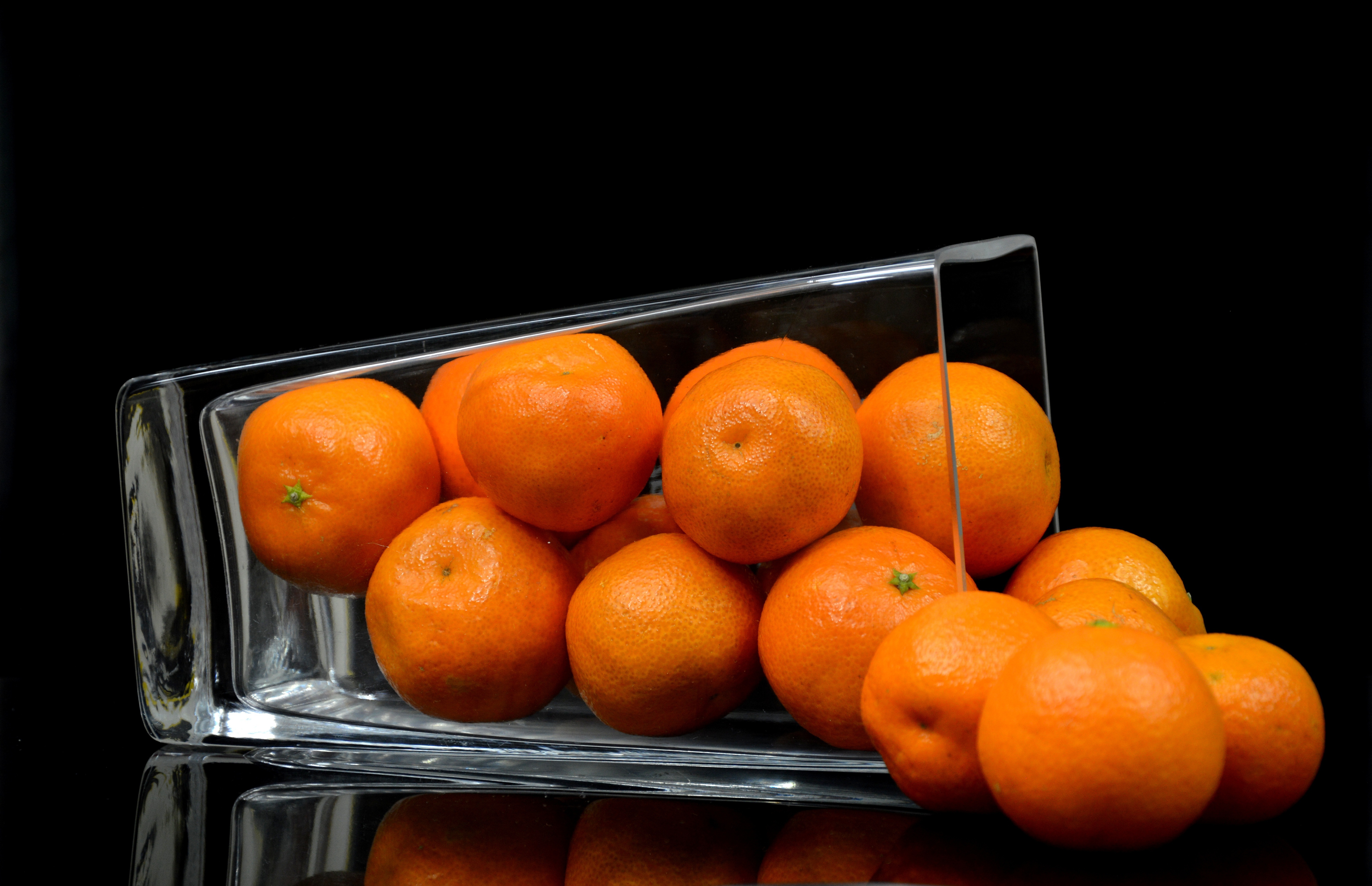 129099 Screensavers and Wallpapers Fruits for phone. Download Food, Vase, Citrus, Fruits, Tangerines pictures for free