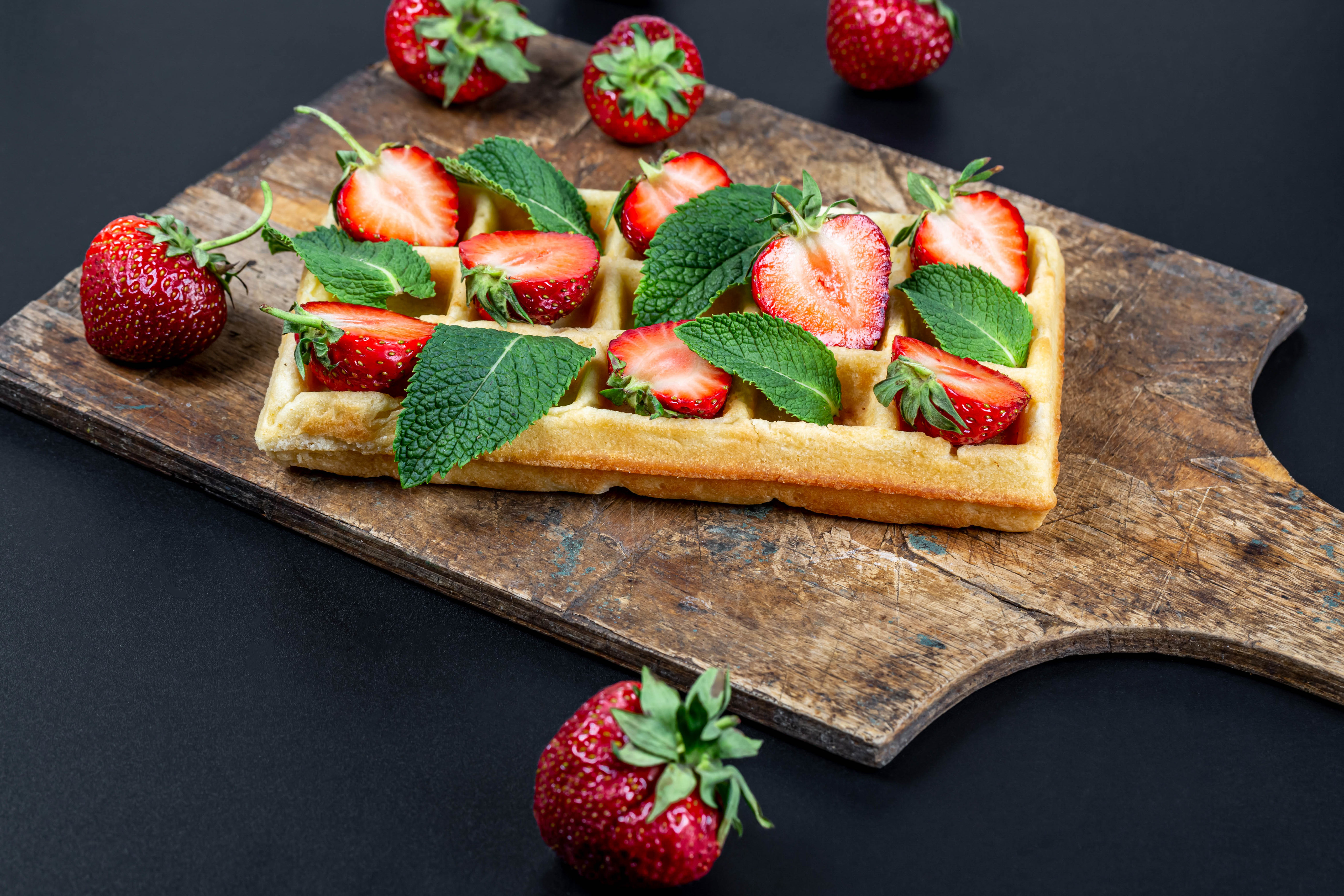 76528 download wallpaper Food, Vienna Waffles, Viennese Waffles, Waffles, Strawberry, Fruits, Berries screensavers and pictures for free