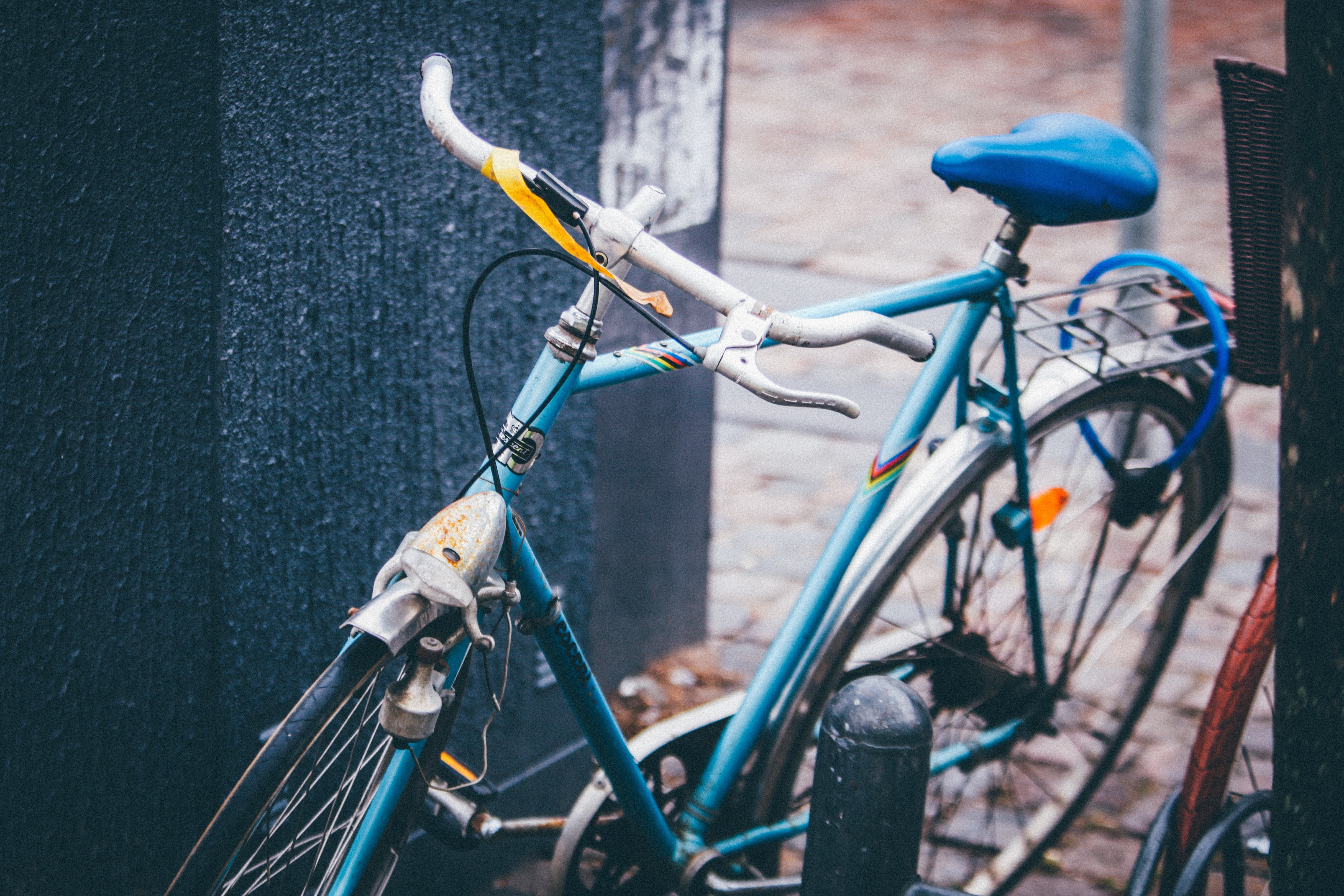 109052 скачать обои Разное, Велосипед, Транспорт, Парковка - заставки и картинки бесплатно