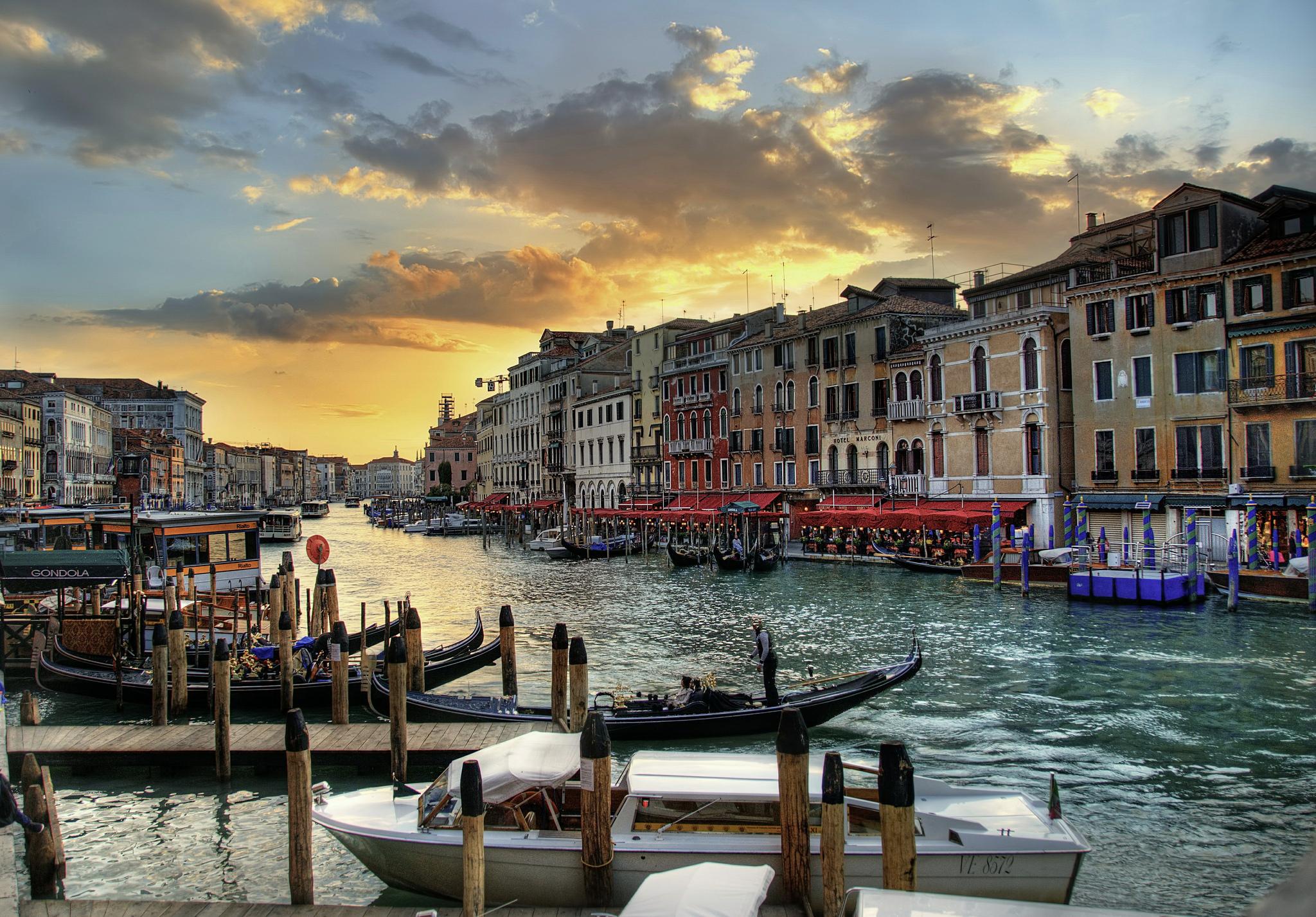 118933 скачать обои Венеция, Италия, Города, Дома, Hdr, Канал - заставки и картинки бесплатно