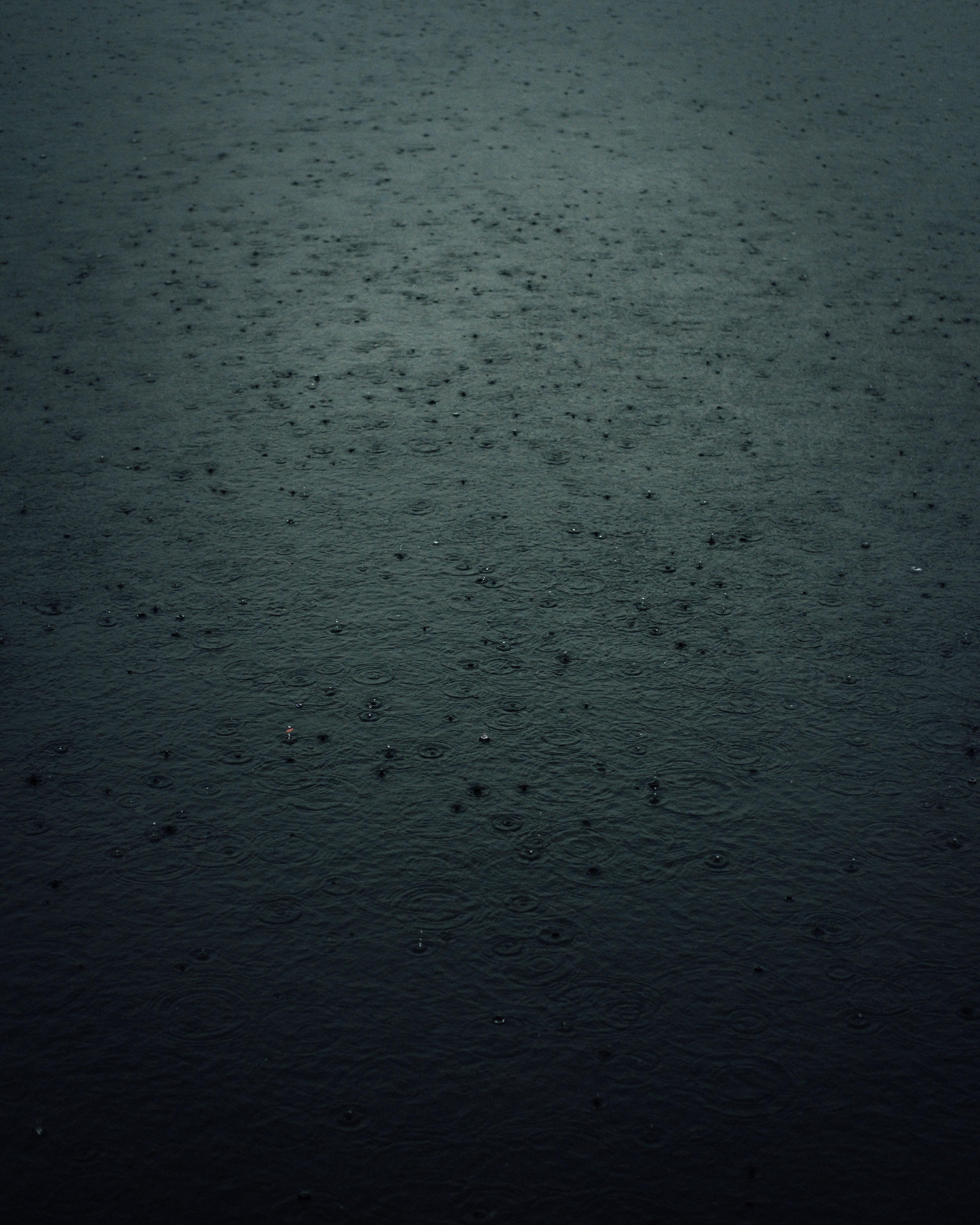 156742 скачать обои Темные, Дождь, Капли, Брызги, Темный - заставки и картинки бесплатно