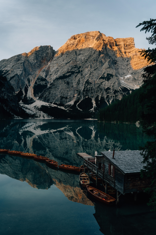 90960 Заставки и Обои Лодки на телефон. Скачать Озеро, Пирс, Лодки, Природа, Горы картинки бесплатно