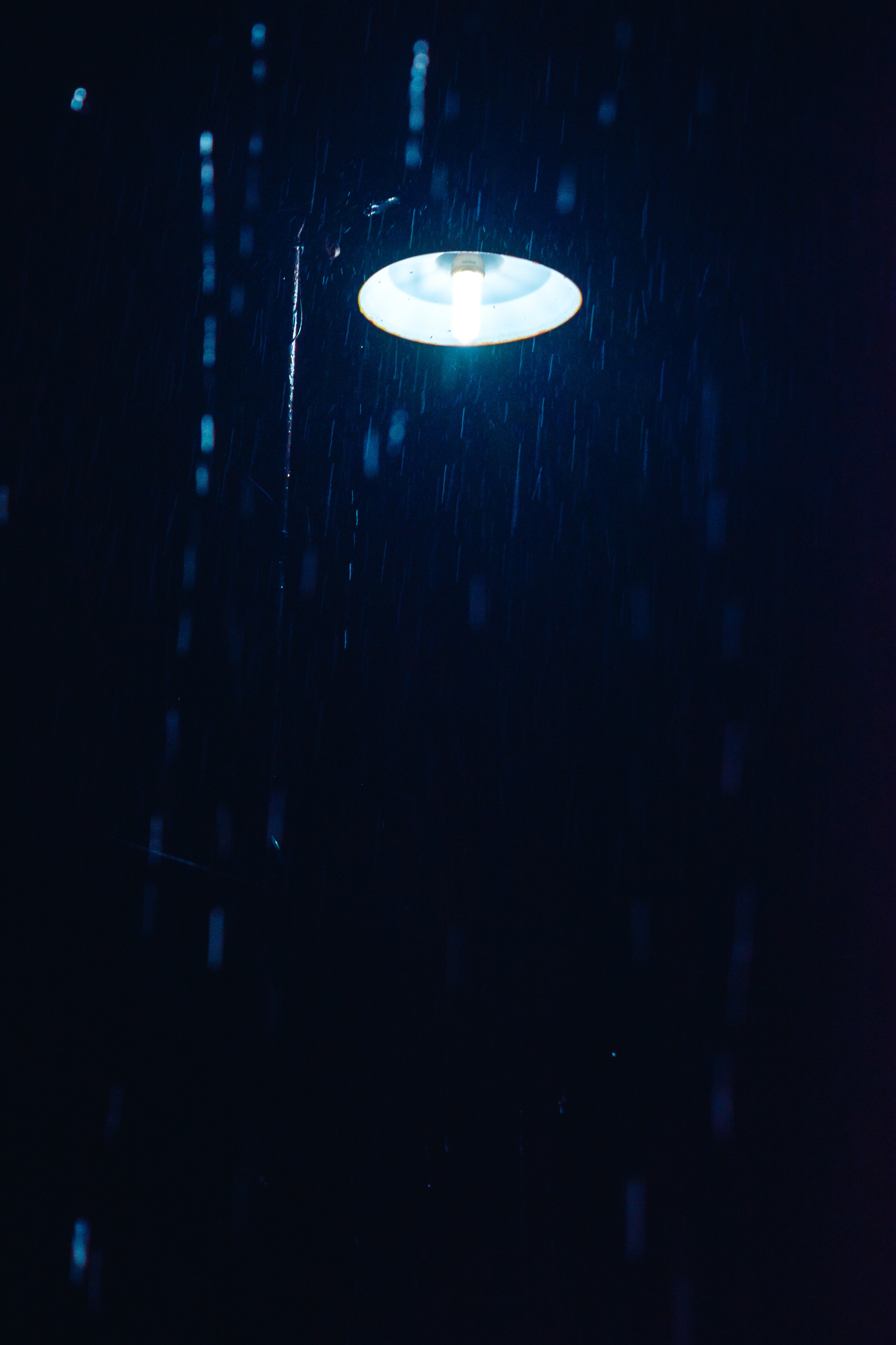 99947 Screensavers and Wallpapers Lamp for phone. Download Rain, Night, Dark, Shine, Light, Lamp, Lantern pictures for free