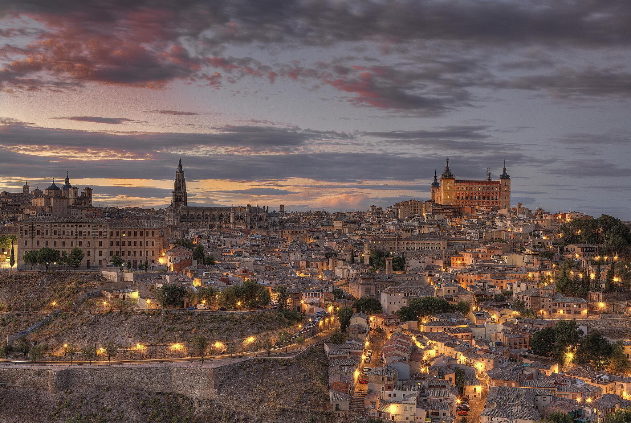 141434 télécharger le fond d'écran Villes, Crépuscule, Les Lumières, Lumières, Hdr, Espagne, Toledo, Tolède - économiseurs d'écran et images gratuitement