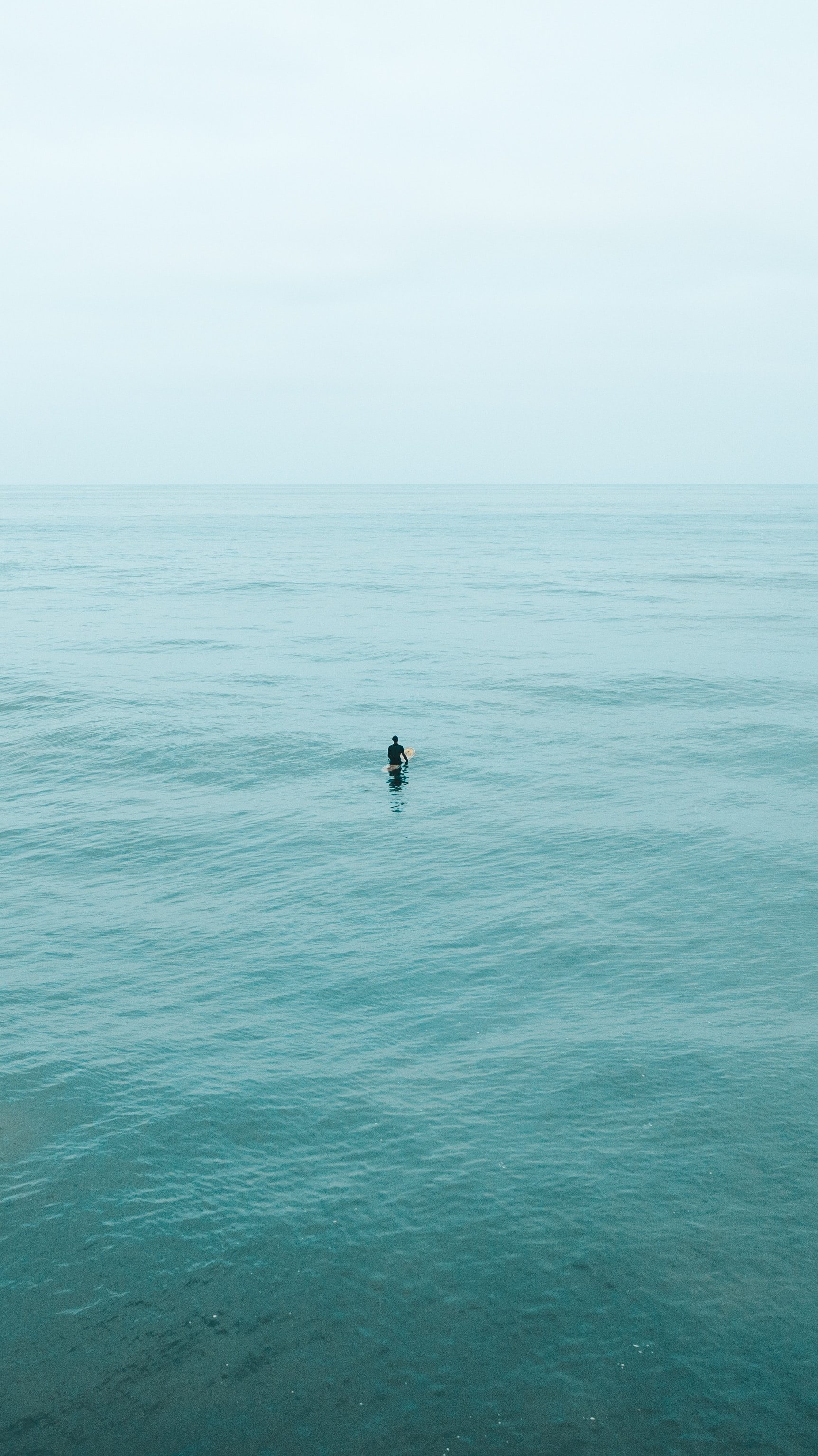138684 download wallpaper Minimalism, Surfer, Serfing, Ocean, Water, Waves screensavers and pictures for free