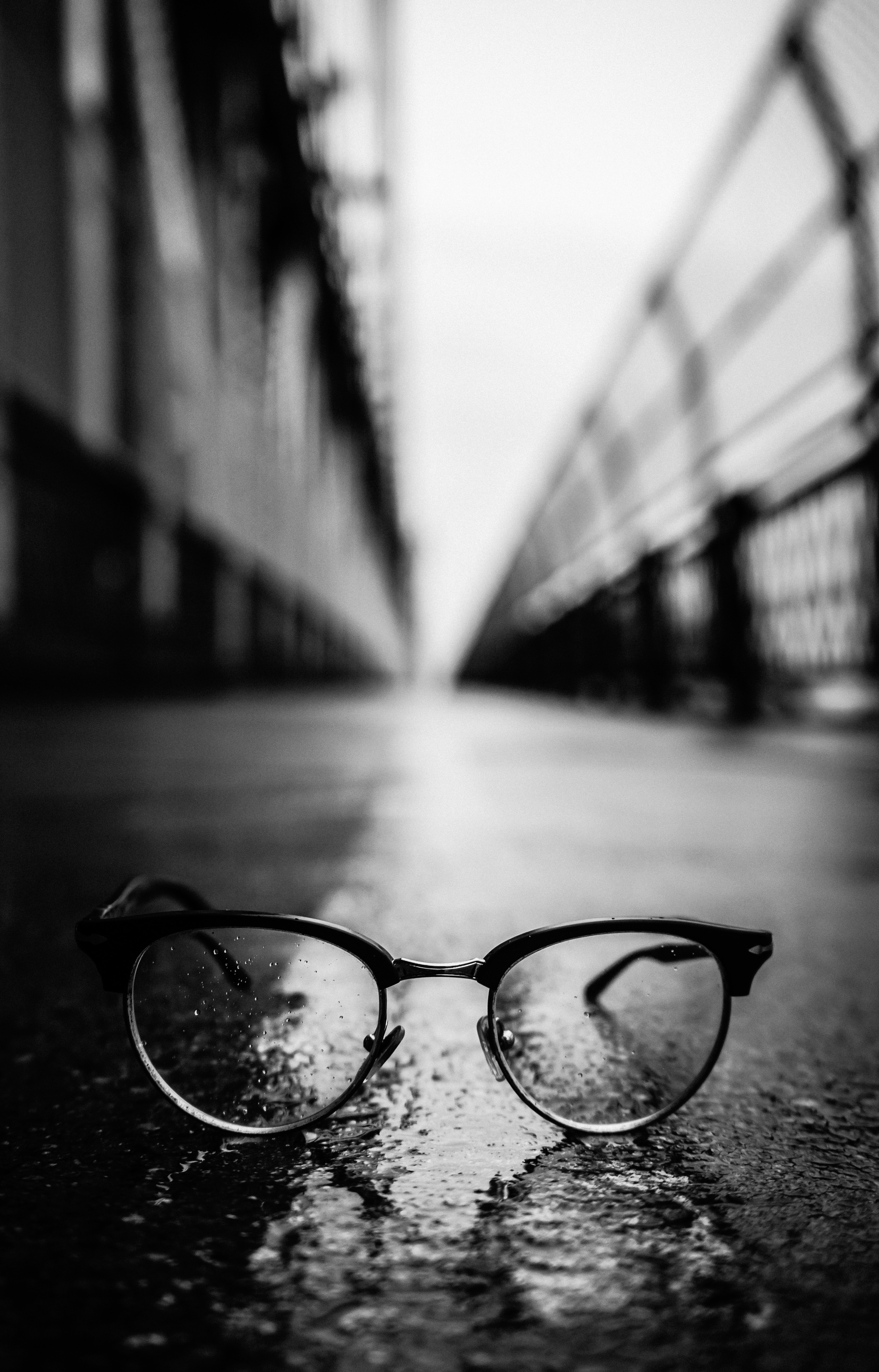 124166 download wallpaper Dark, Glasses, Spectacles, Bw, Chb, Close-Up screensavers and pictures for free