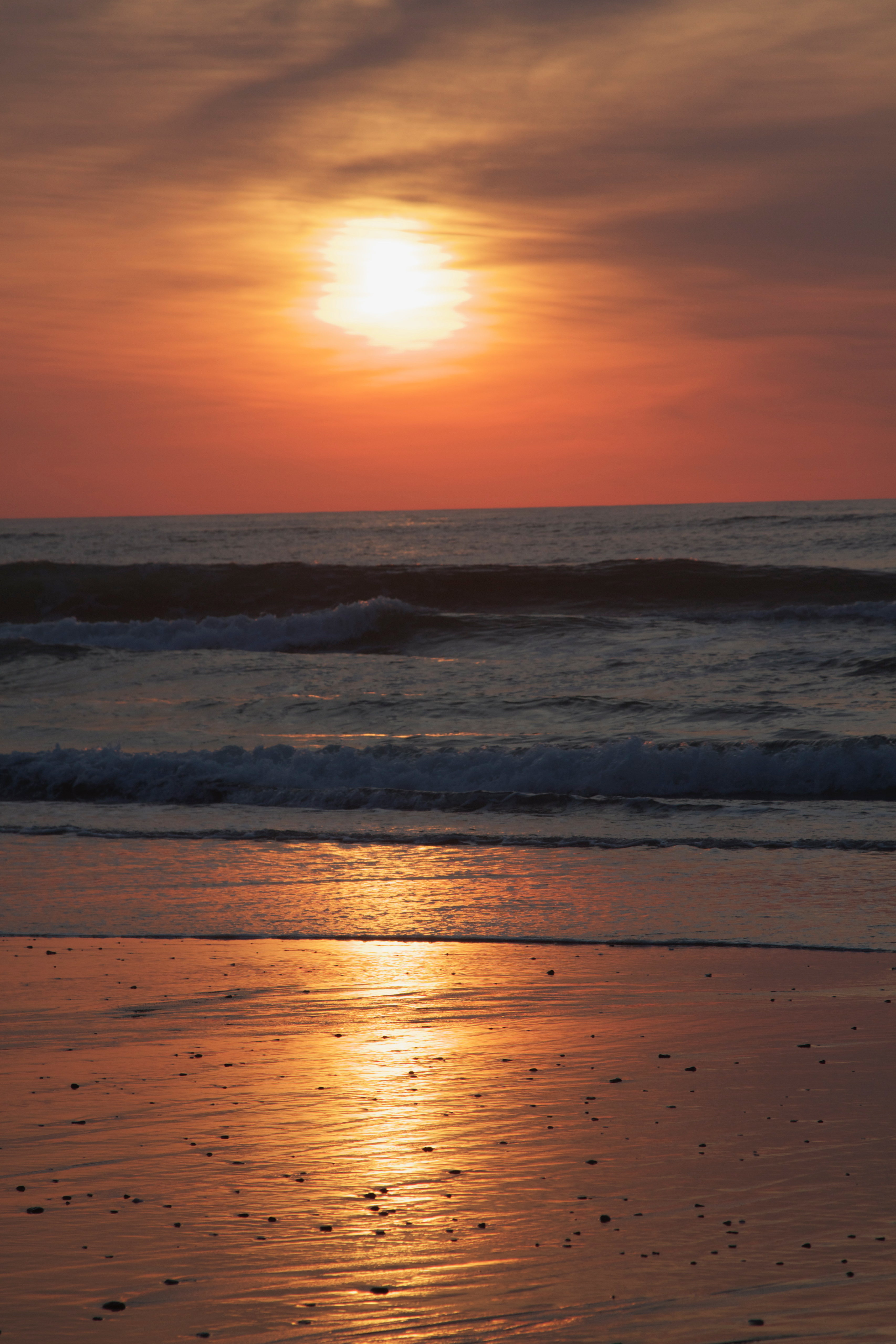 132181 download wallpaper Nature, Sunset, Sea, Beach, Glare, Sun screensavers and pictures for free