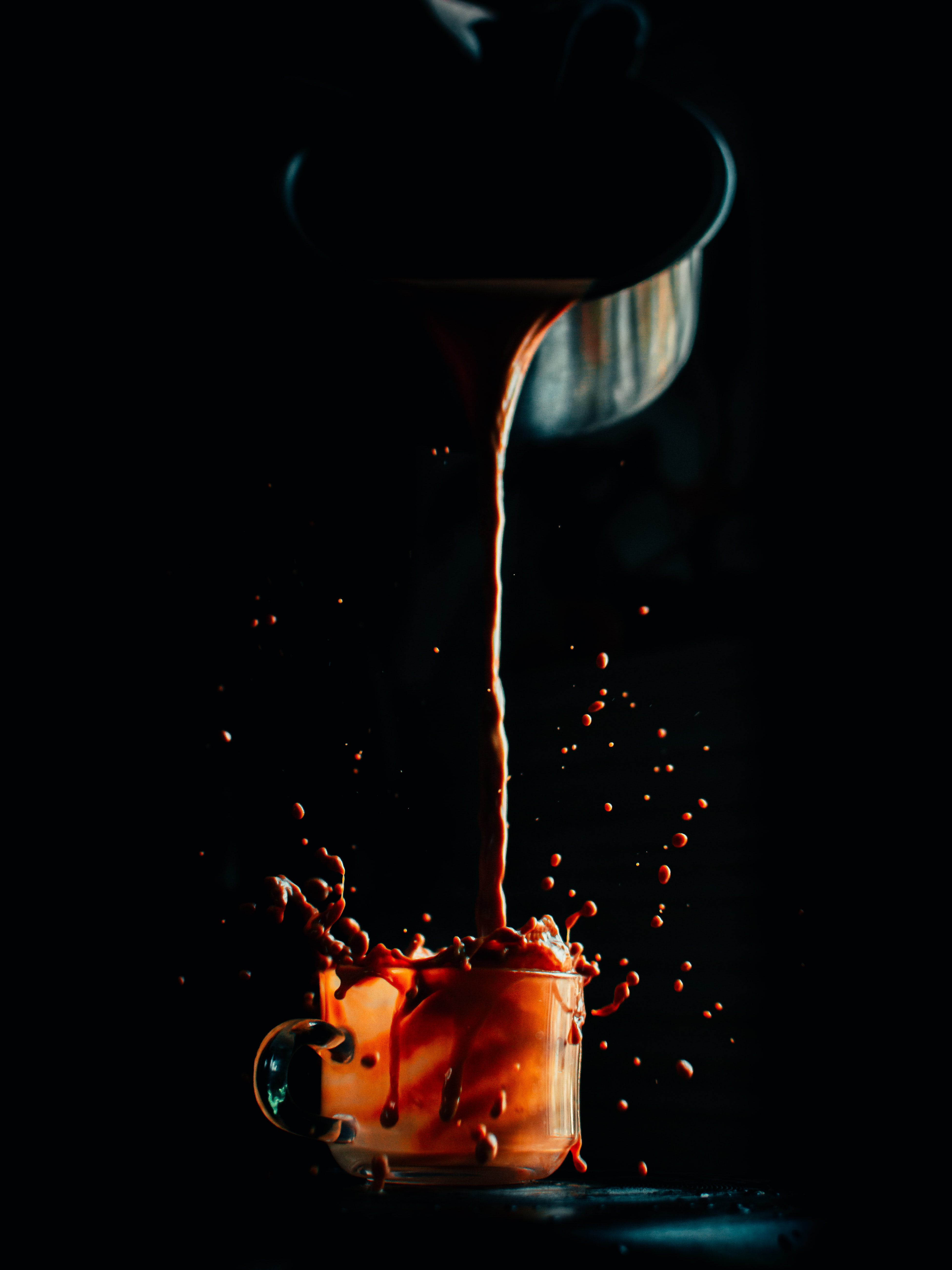 119085 download wallpaper Food, Cup, Coffee, Drink, Beverage, Spray, Dark screensavers and pictures for free