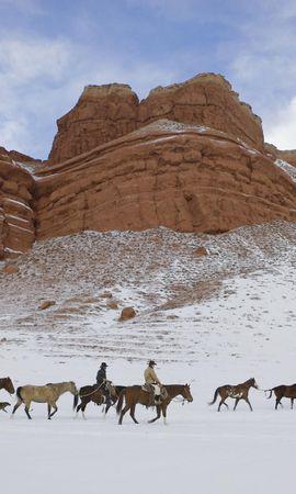 147173 baixar papel de parede Animais, Cavalos, Vaqueiro, Neve, América, Wyoming, Platô, Planalto, Céu - protetores de tela e imagens gratuitamente