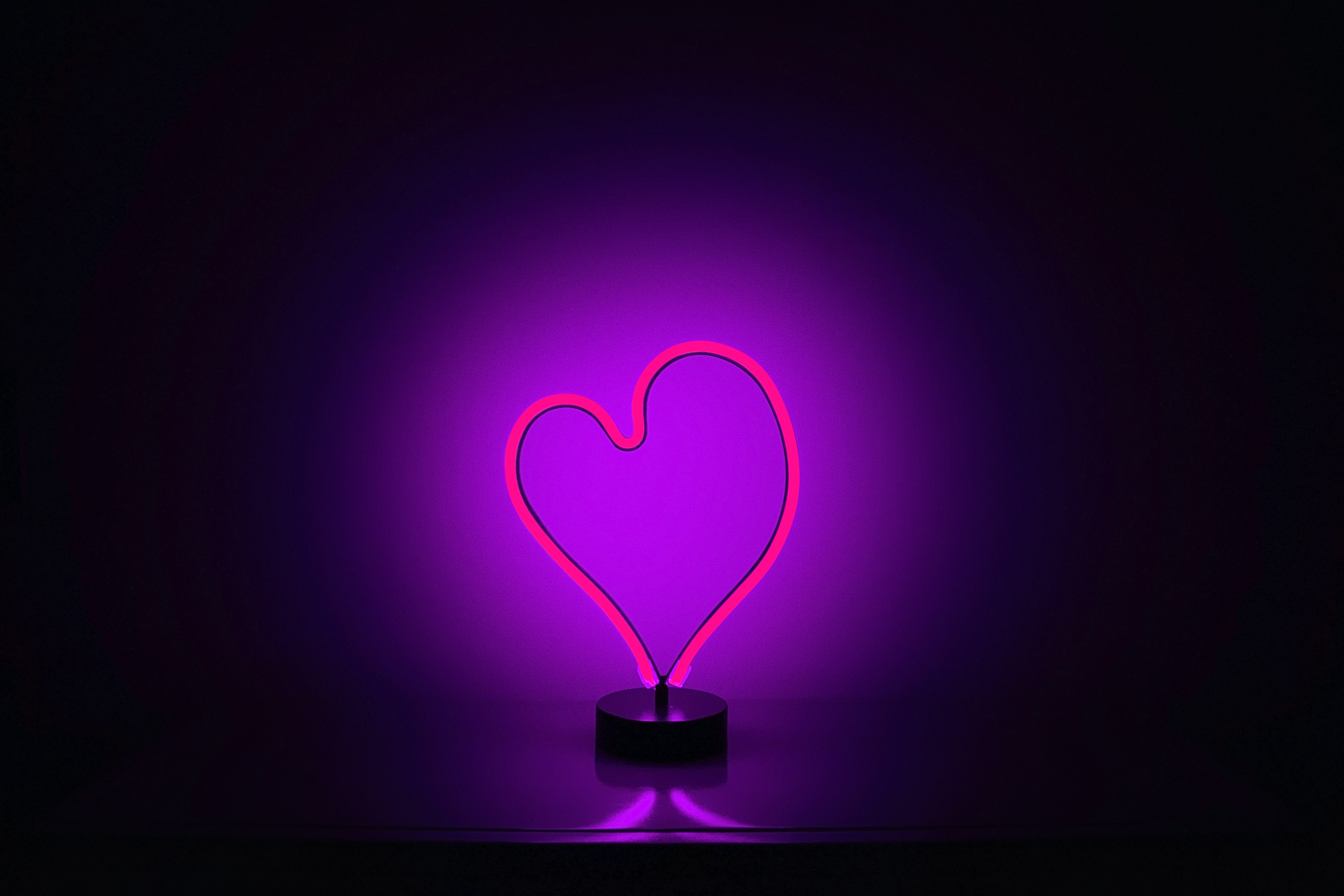 153856 download wallpaper Dark, Heart, Neon, Backlight, Illumination screensavers and pictures for free
