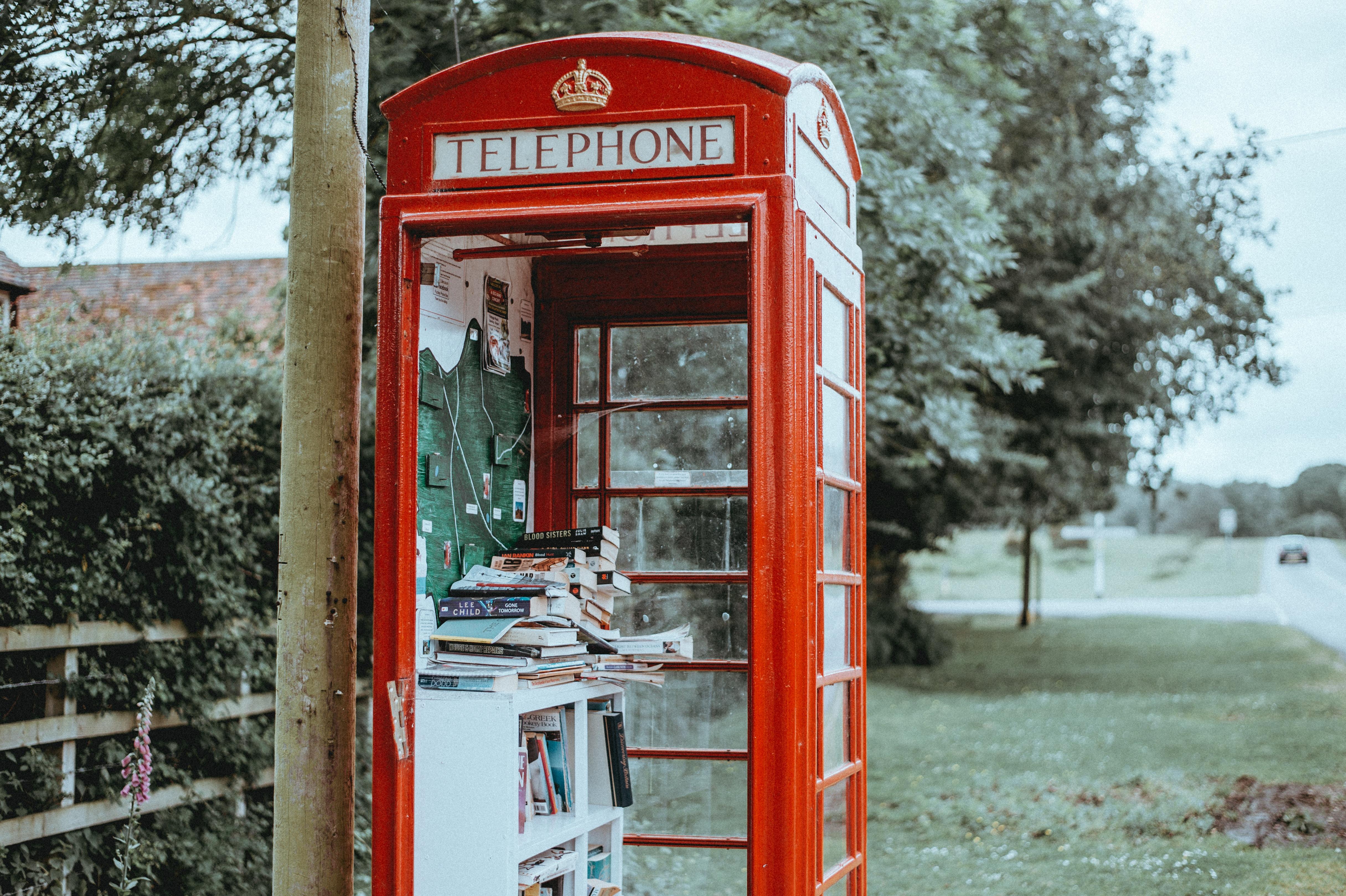152973 скачать обои Разное, Телефонная Будка, Книги, Улица - заставки и картинки бесплатно