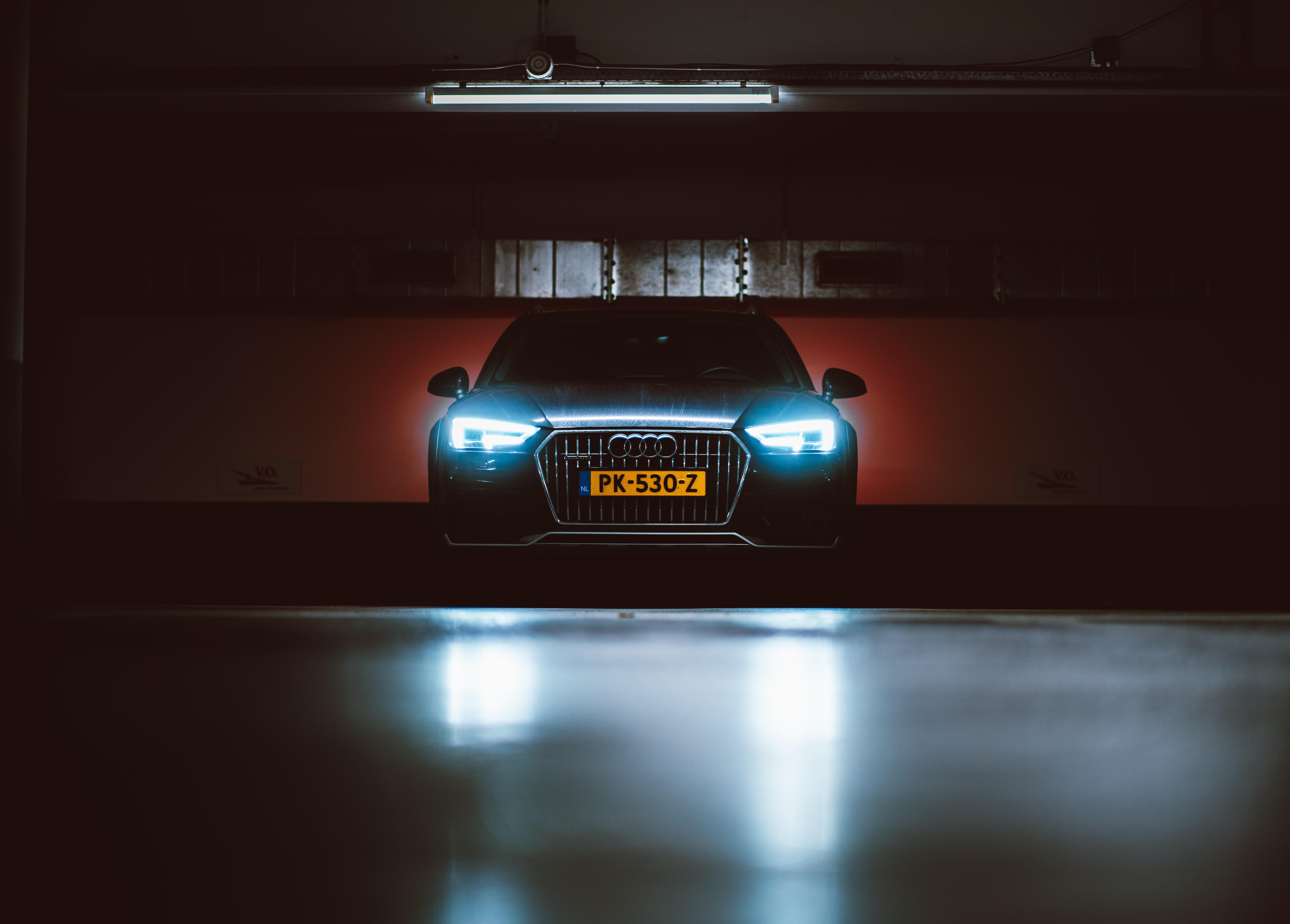 125995 скачать обои Ауди (Audi), Тачки (Cars), Свет, Вид Спереди, Фары - заставки и картинки бесплатно