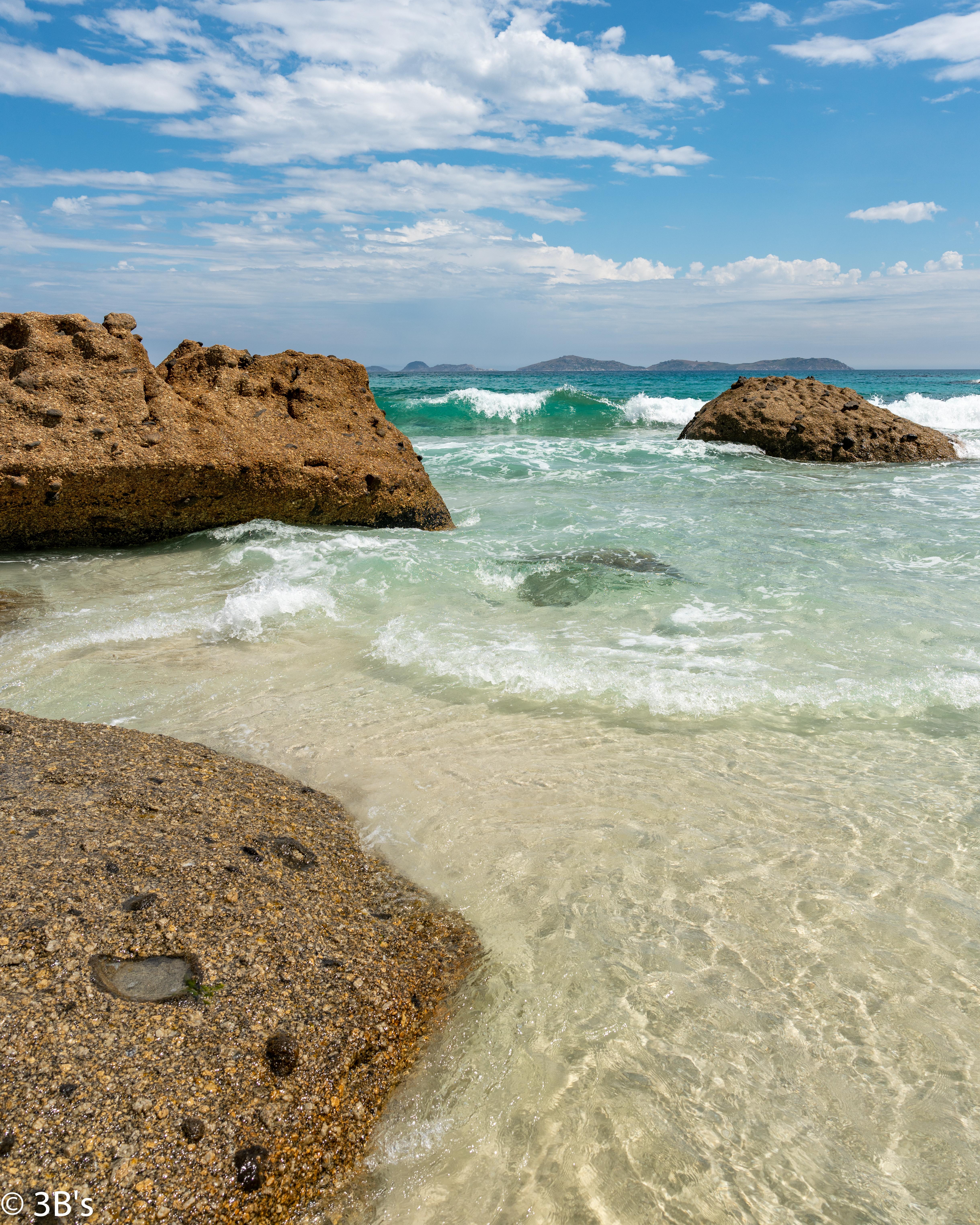 75432 скачать обои Природа, Берег, Море, Вода, Камни, Пейзаж - заставки и картинки бесплатно