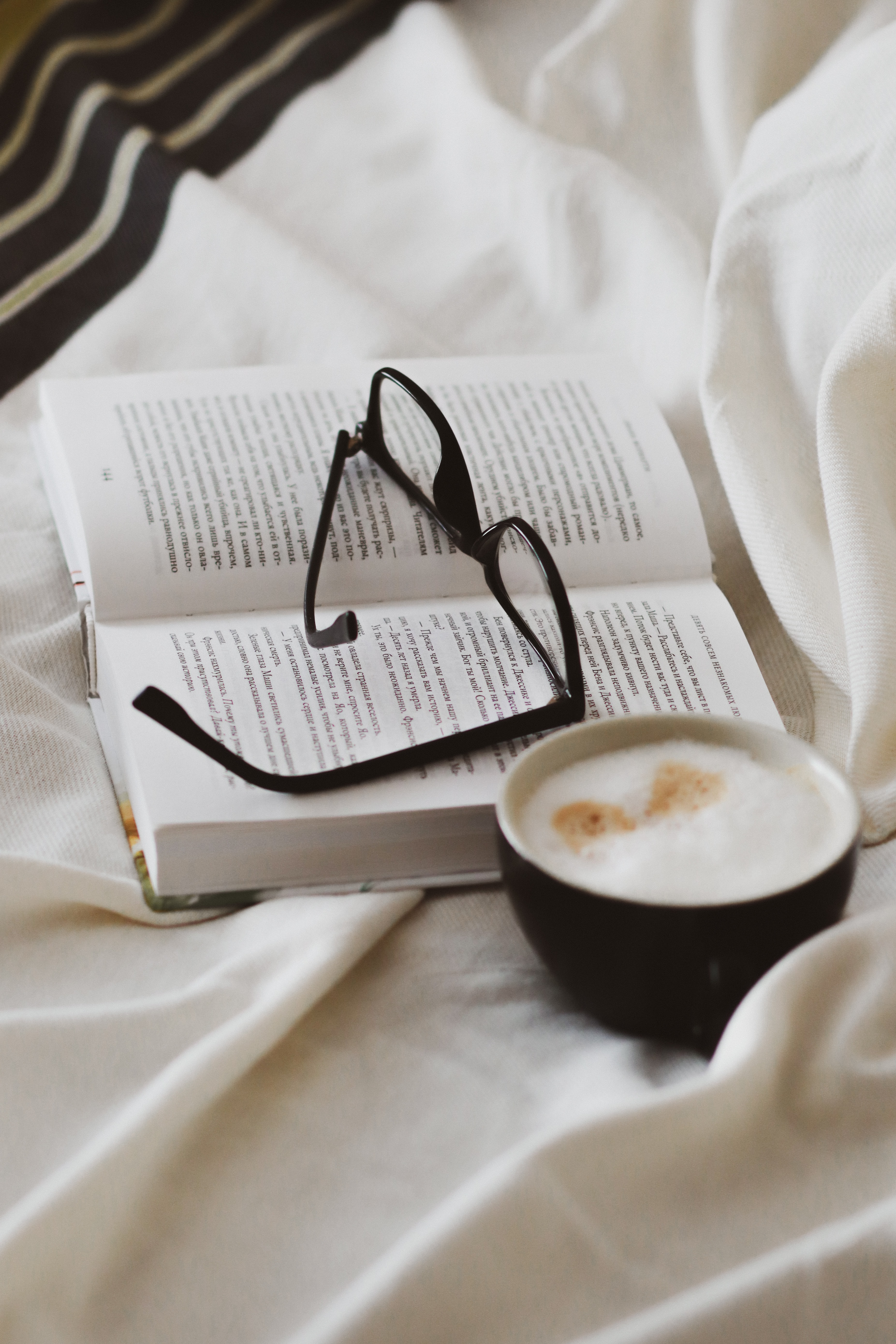 132148 download wallpaper Miscellanea, Miscellaneous, Book, Cup, Glasses, Spectacles screensavers and pictures for free