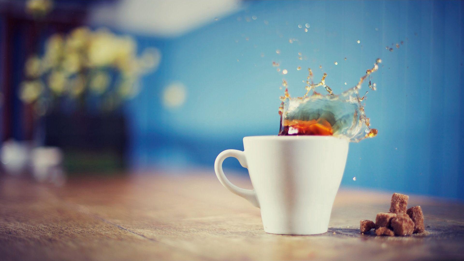 79695 Hintergrundbild herunterladen Lebensmittel, Getränke, Eine Tasse, Tasse, Sprühen, Spray, Trinken, Tee - Bildschirmschoner und Bilder kostenlos