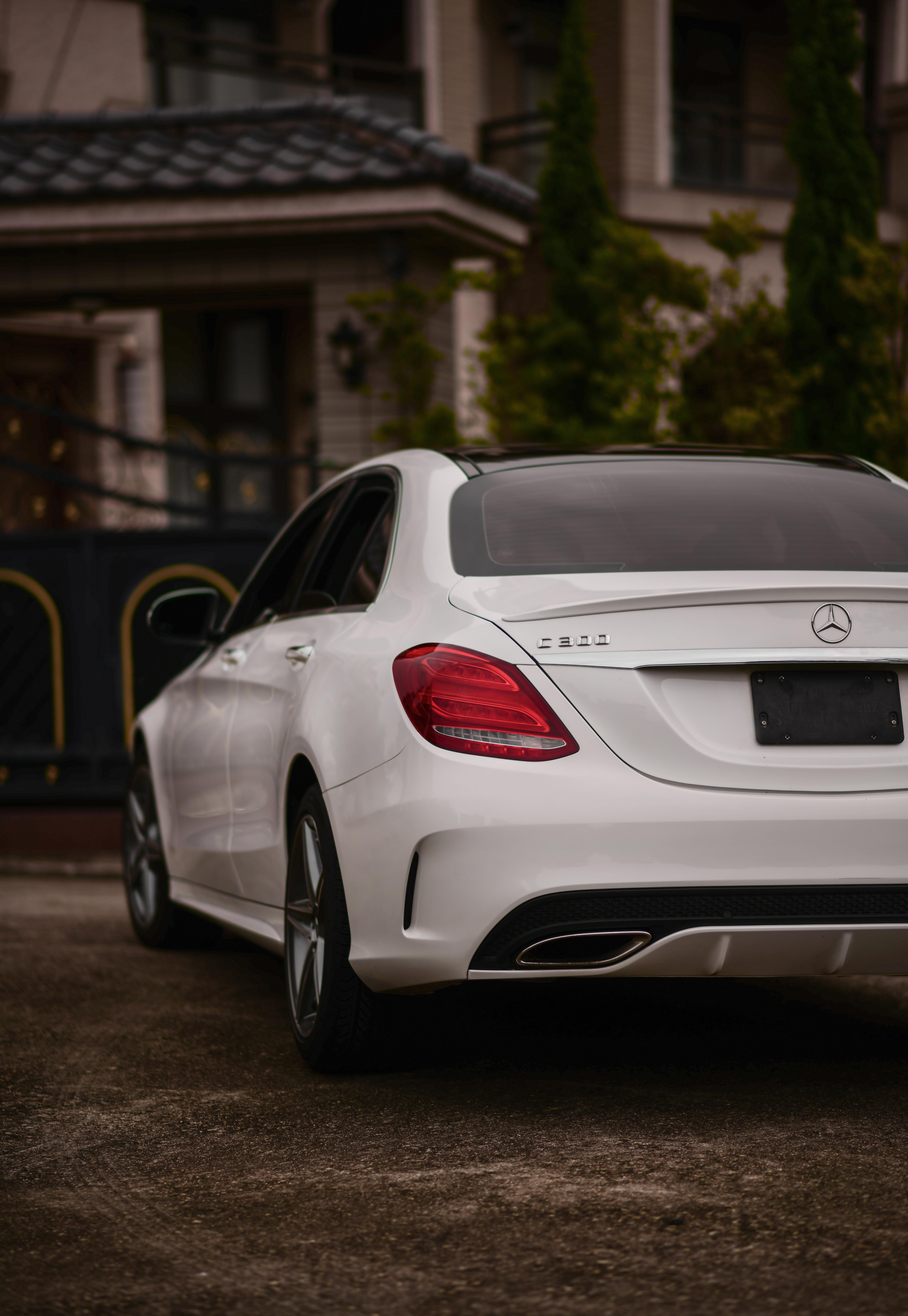 127022 Заставки и Обои Автомобиль на телефон. Скачать Автомобиль, Mercedes-Benz C300, Тачки (Cars), Белый, Вид Сзади, Mercedes картинки бесплатно