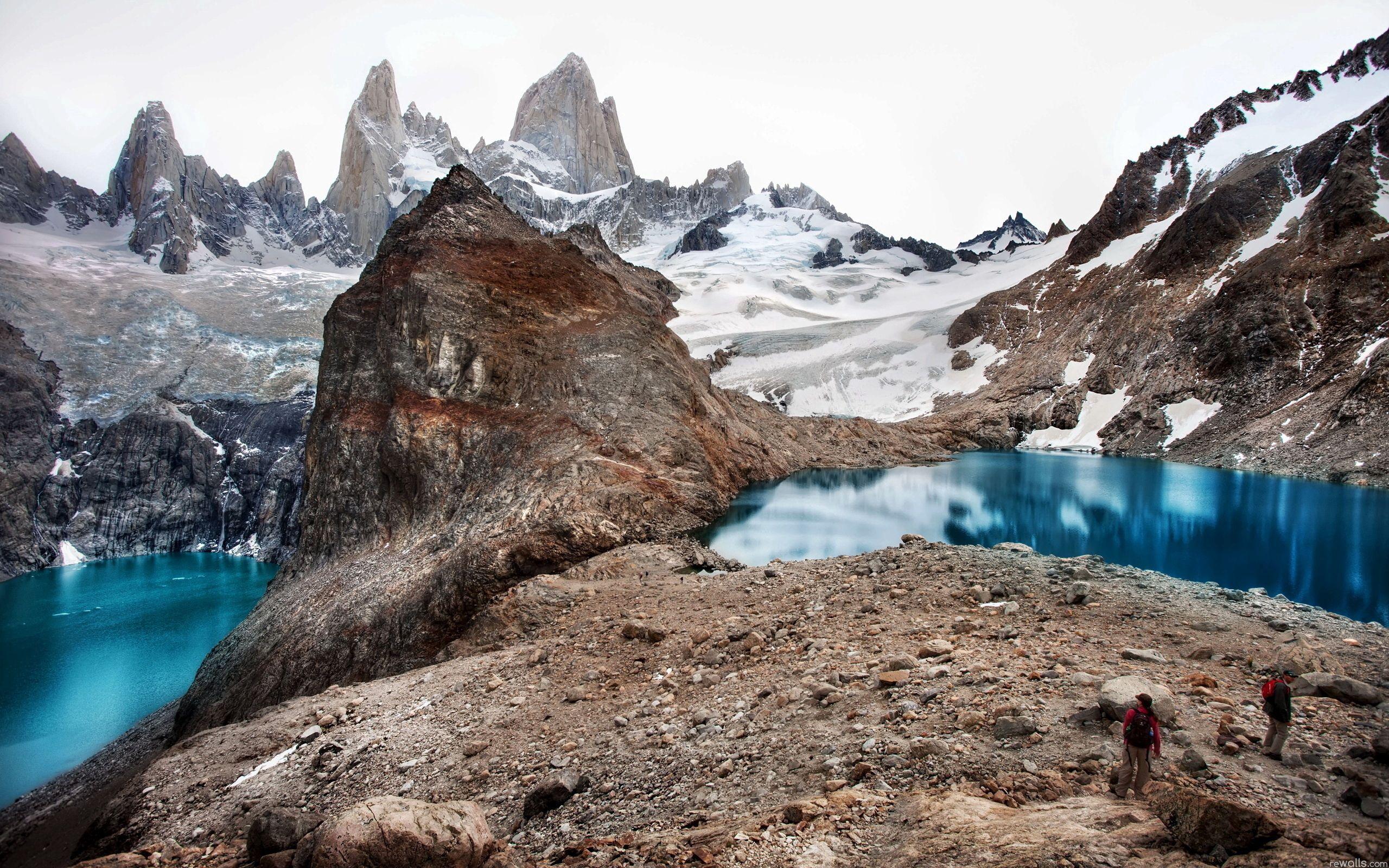 127579 Заставки и Обои Озера на телефон. Скачать Озера, Природа, Горы, Свежесть, Альпинисты картинки бесплатно
