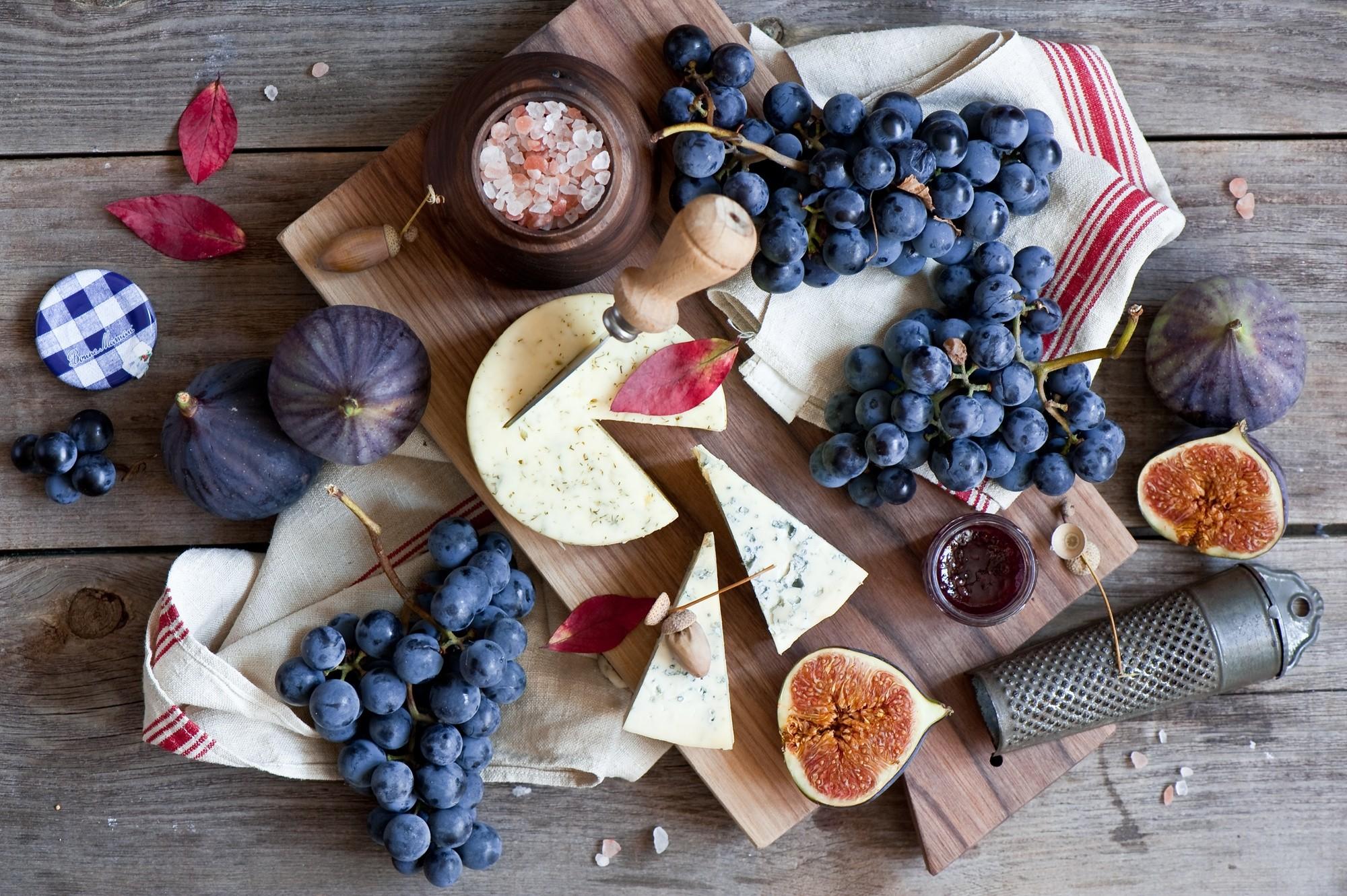 151393 Заставки и Обои Виноград на телефон. Скачать Еда, Виноград, Сыр, Доска, Инжир картинки бесплатно