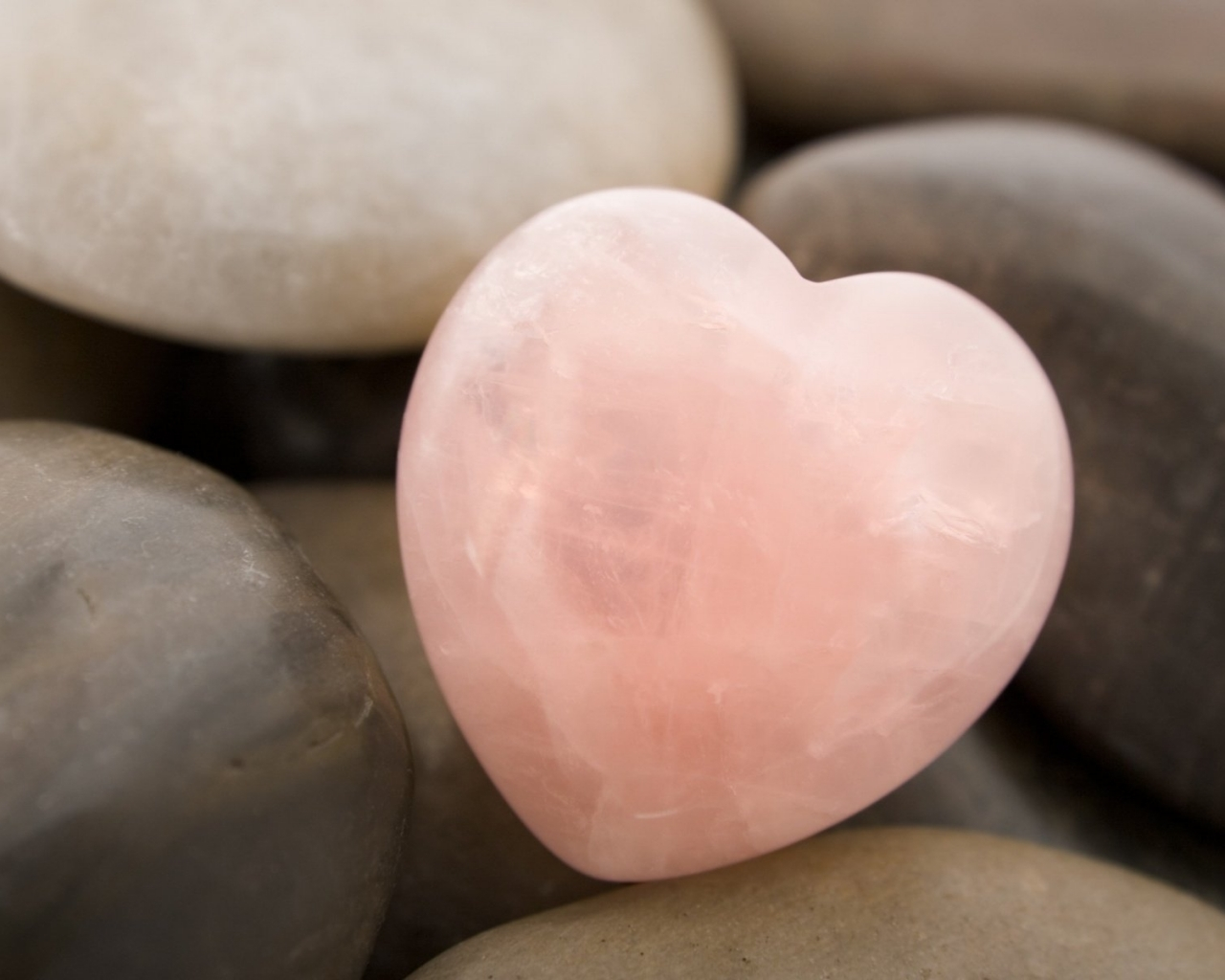 10175 download wallpaper Background, Stones, Hearts, Love, Valentine's Day screensavers and pictures for free