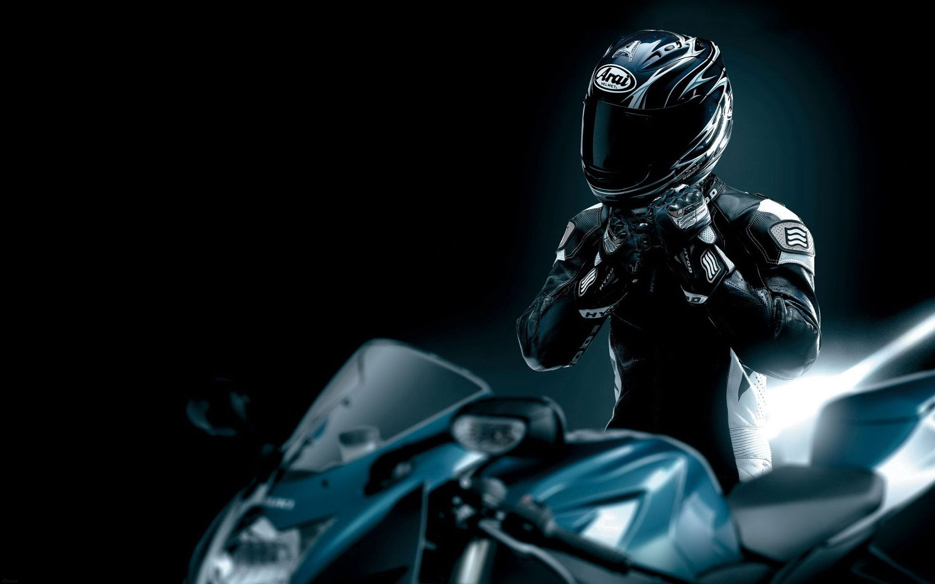 114114 скачать обои Мотоциклы, Гонщик, Черный, Мотоцикл, Шлем - заставки и картинки бесплатно