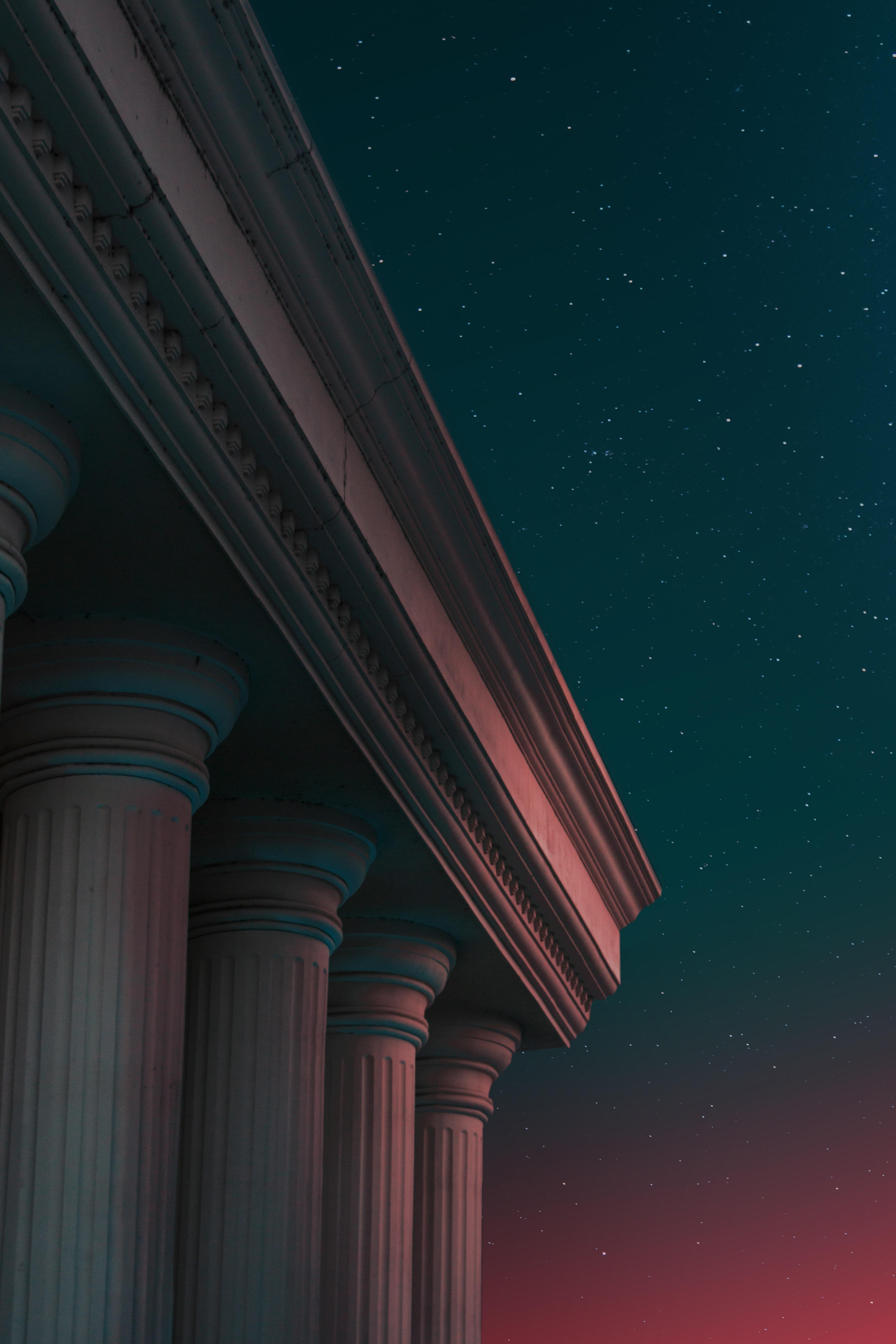 86537 Hintergrundbild 720x1280 kostenlos auf deinem Handy, lade Bilder Übernachtung, Architektur, Dunkel, Verschiedenes, Sonstige, Säulen, Antiquität, Spalte, Antiken 720x1280 auf dein Handy herunter