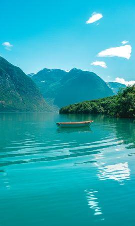 136417 скачать обои Природа, Лодка, Озеро, Вода, Горизонт, Горы - заставки и картинки бесплатно
