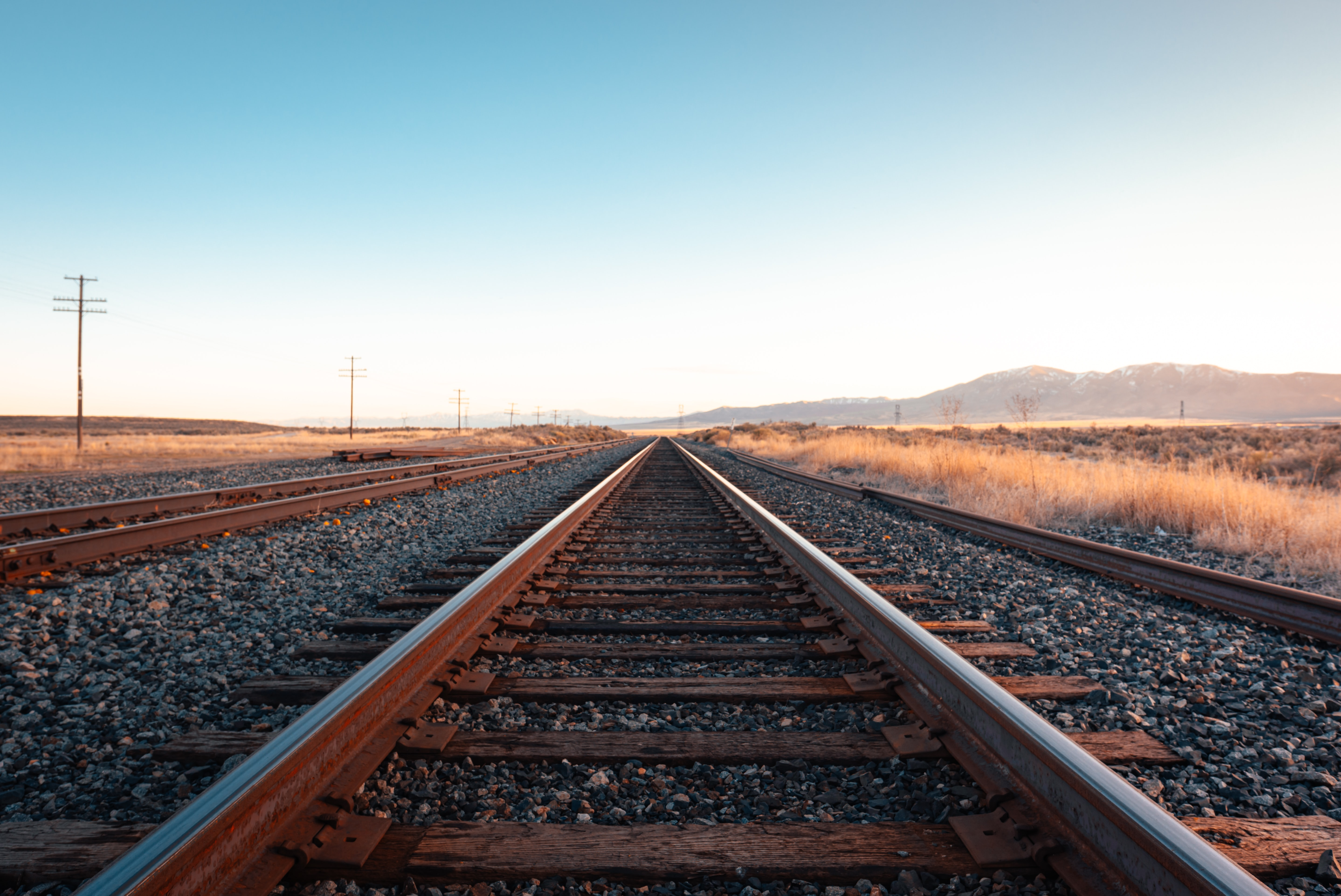 58635 Screensavers and Wallpapers Dahl for phone. Download Nature, Horizon, Dahl, Distance, Railway pictures for free