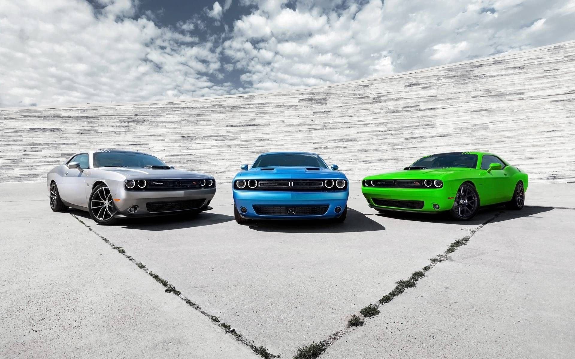 101312 download wallpaper Cars, 2015, Dodge, Challenger, Sports screensavers and pictures for free