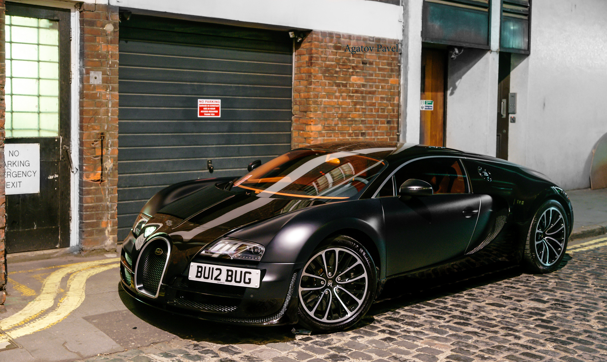 119045 download wallpaper Supercar, Bugatti, Cars, Veyron, Matte screensavers and pictures for free