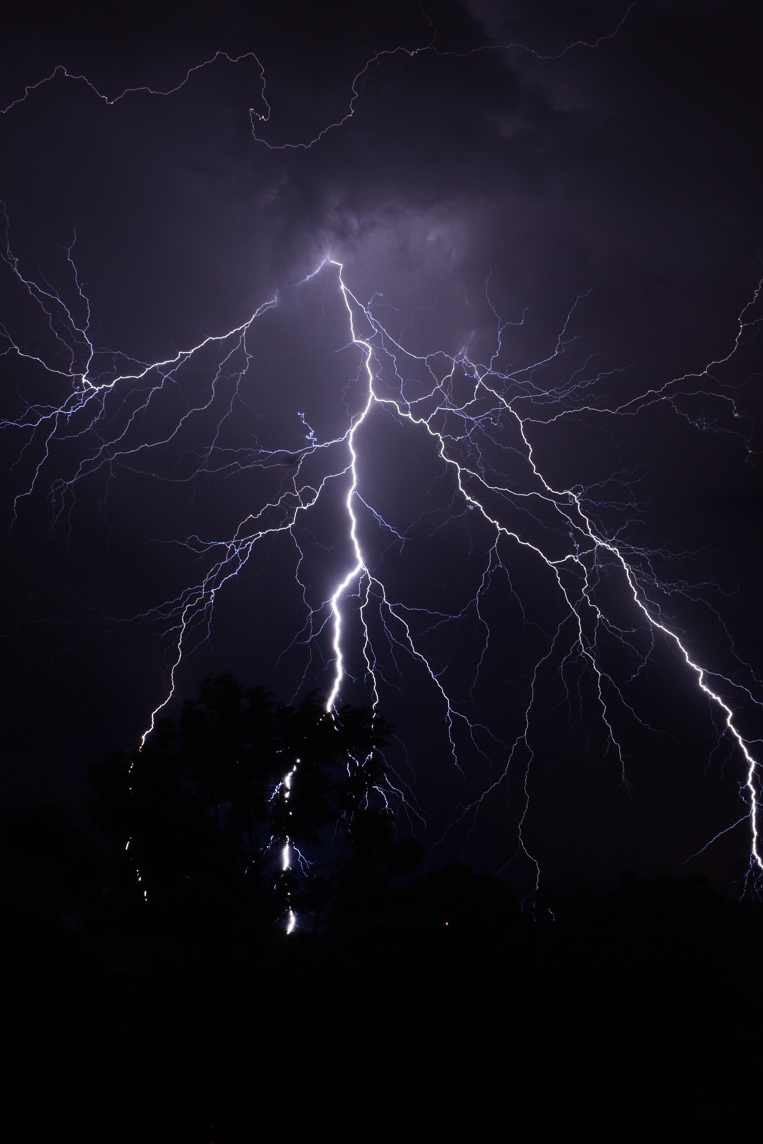 144997 Заставки и Обои Молния на телефон. Скачать Молния, Темные, Темный, Свечение картинки бесплатно