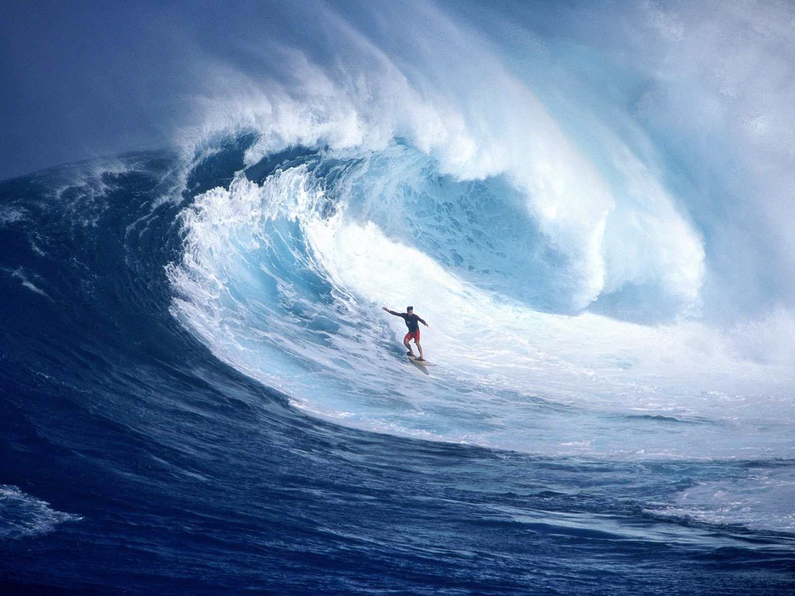 1614 download wallpaper Sports, Water, Sea, Waves, Serfing screensavers and pictures for free
