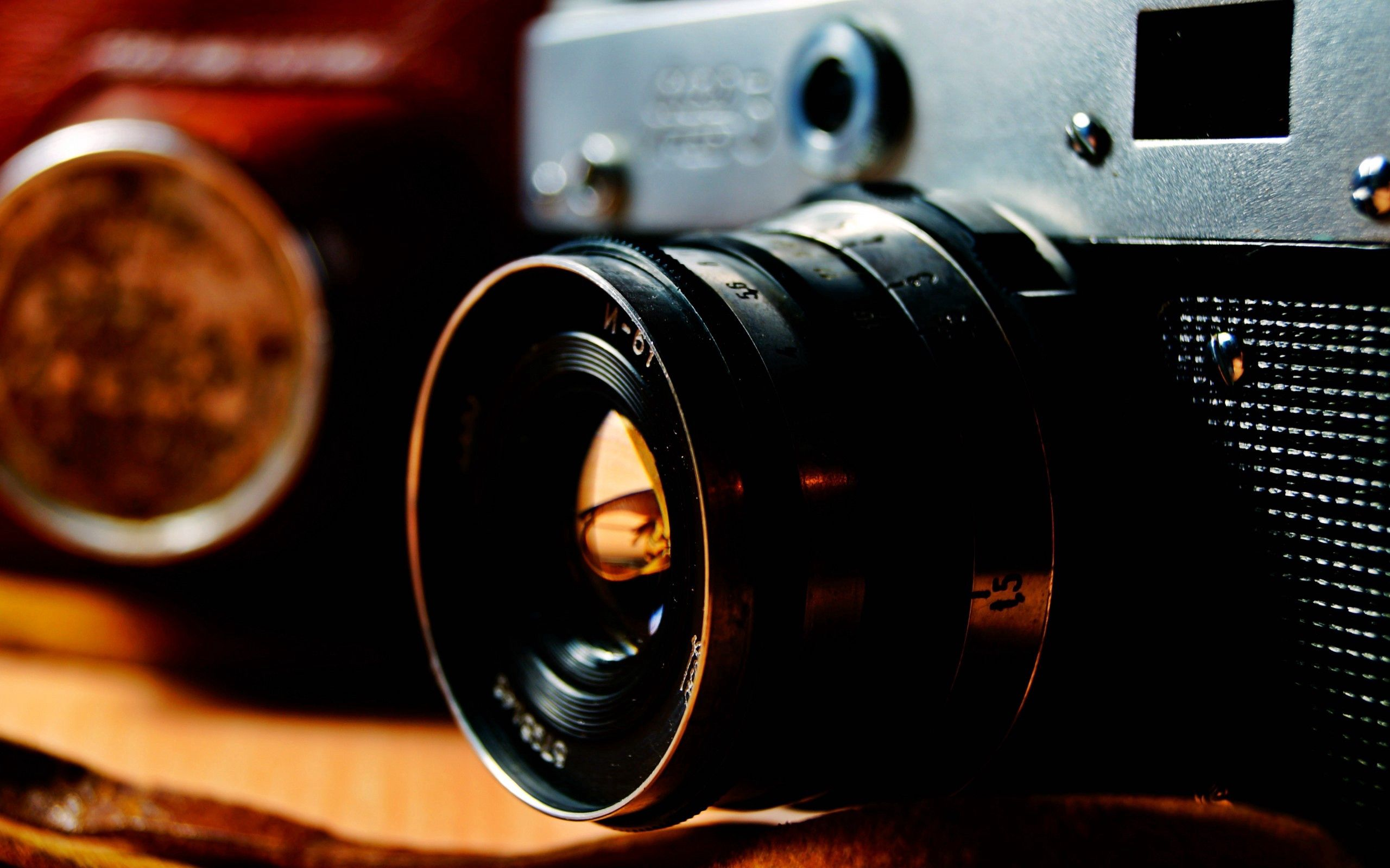 110525 download wallpaper Miscellanea, Miscellaneous, Glass, Lens, Camera screensavers and pictures for free