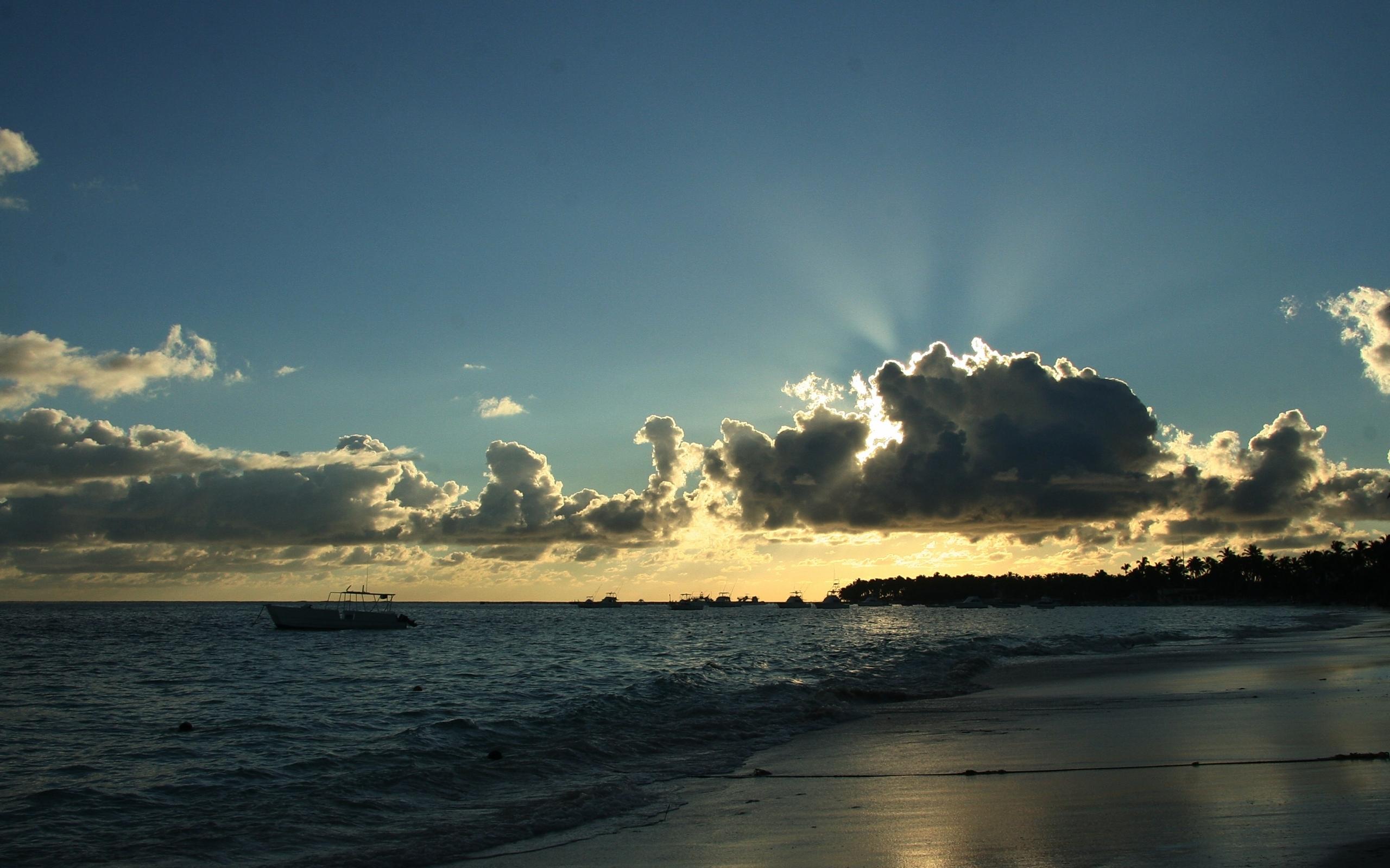 24386 скачать обои Пейзаж, Море, Солнце, Облака, Пляж - заставки и картинки бесплатно