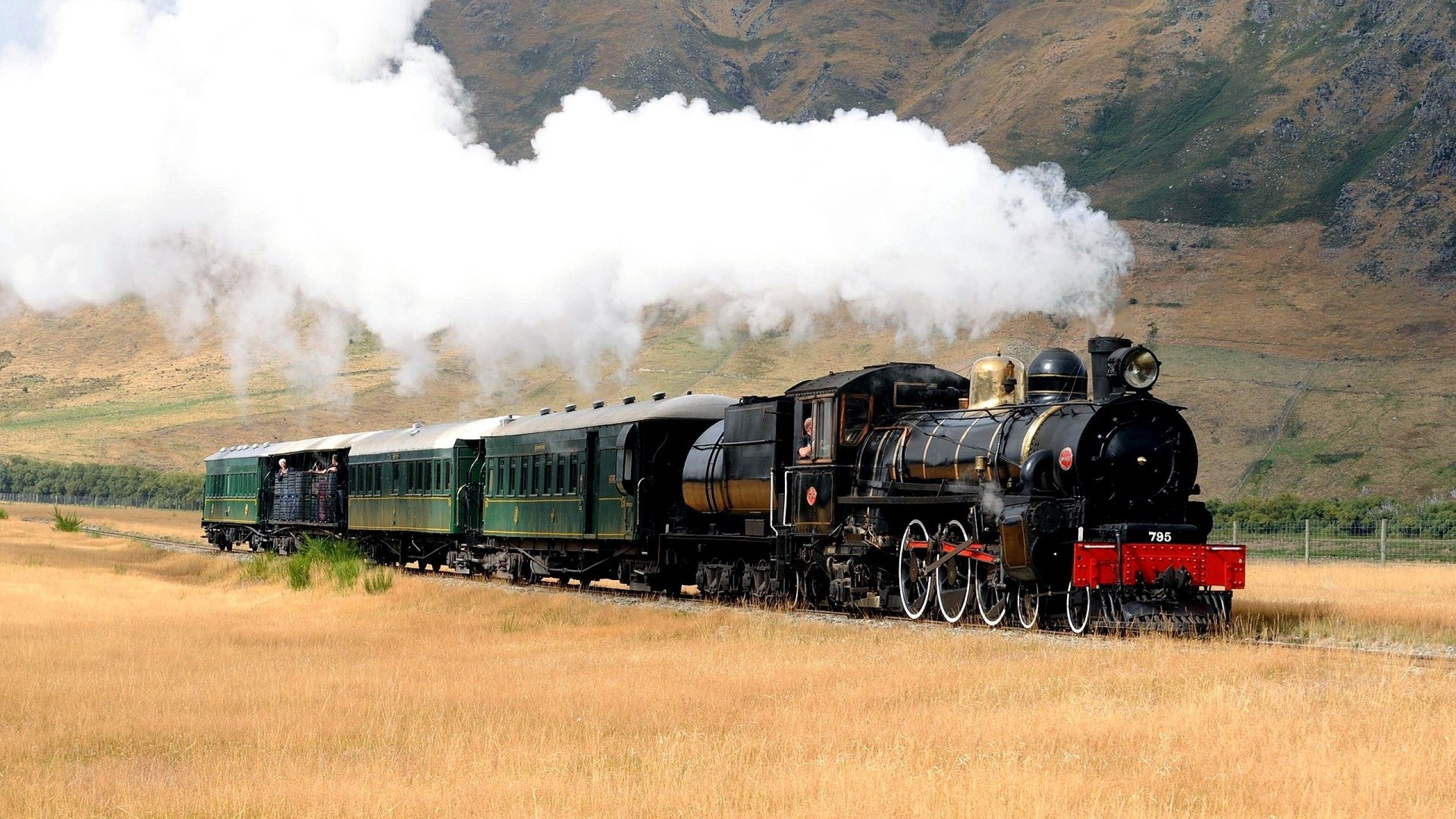 68946 download wallpaper Miscellanea, Miscellaneous, Locomotive, Train, Smoke screensavers and pictures for free