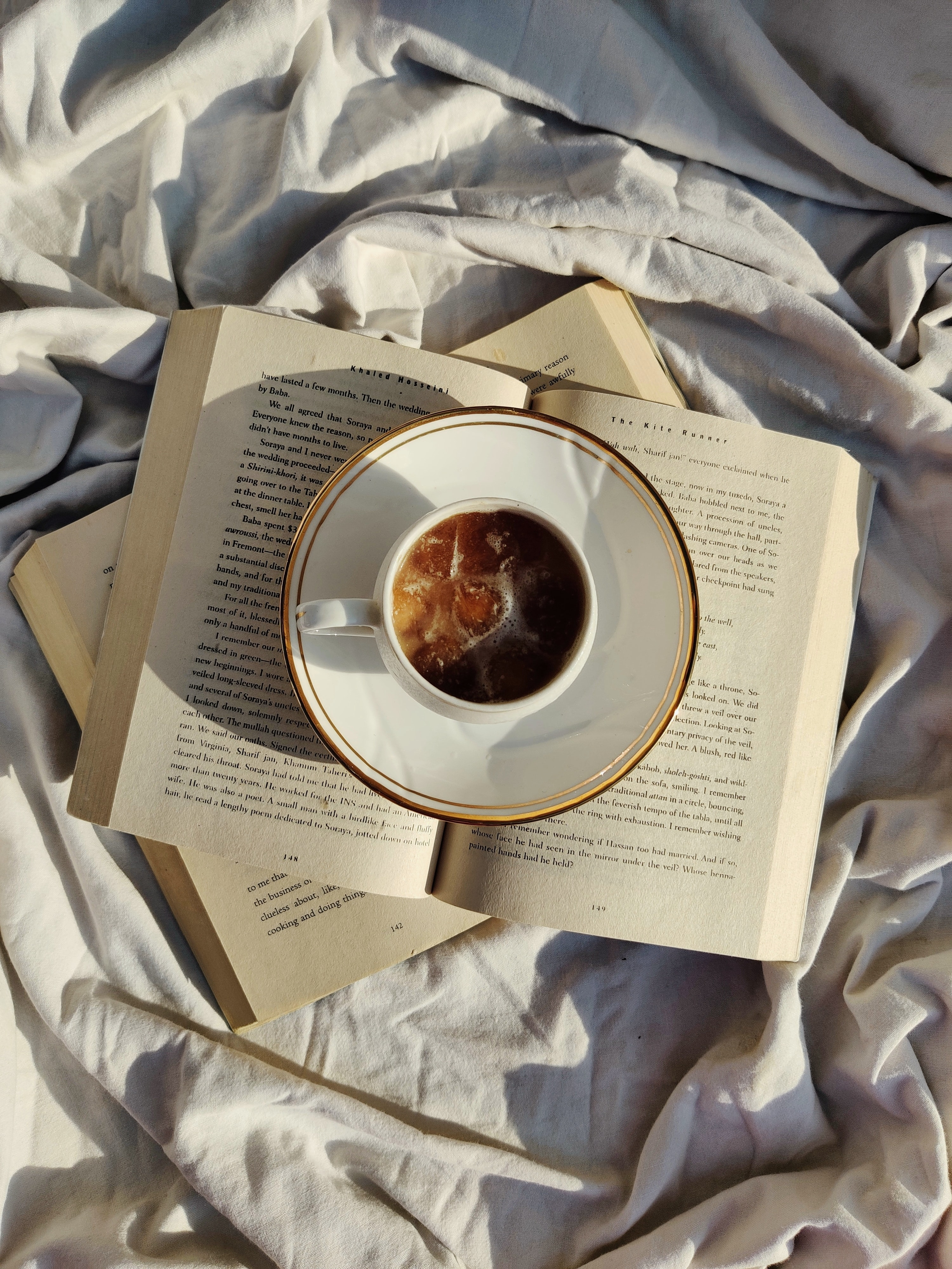 109490 download wallpaper Food, Books, Cup, Drink, Beverage, Tea screensavers and pictures for free