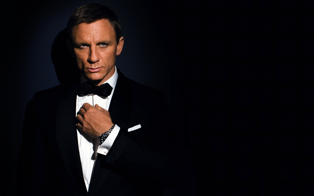 33048 download wallpaper Cinema, People, Actors, Men, James Bond, Daniel Craig screensavers and pictures for free