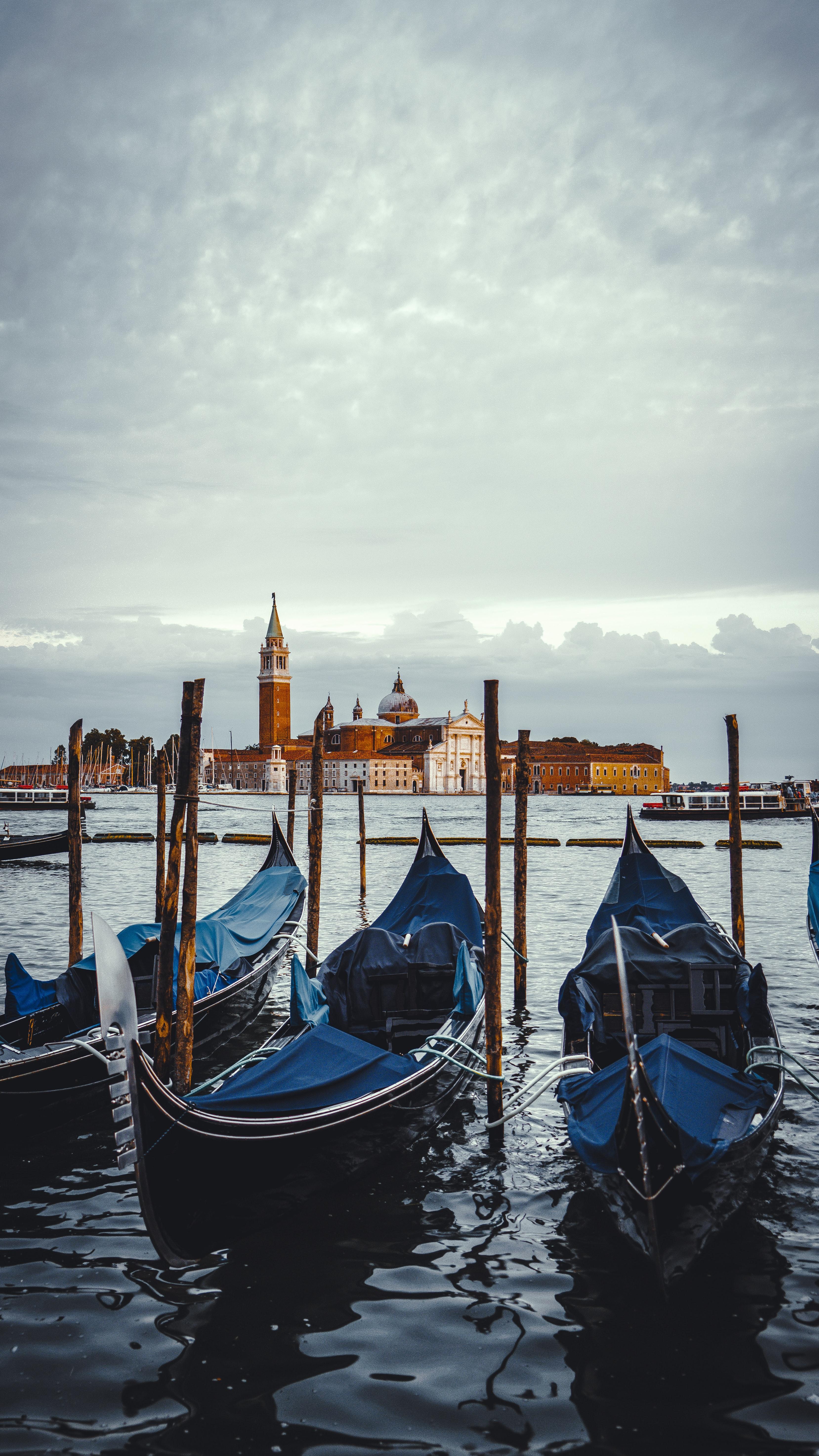 62830 скачать обои Венеция, Италия, Города, Вода, Лодки, Город, Гондолы - заставки и картинки бесплатно